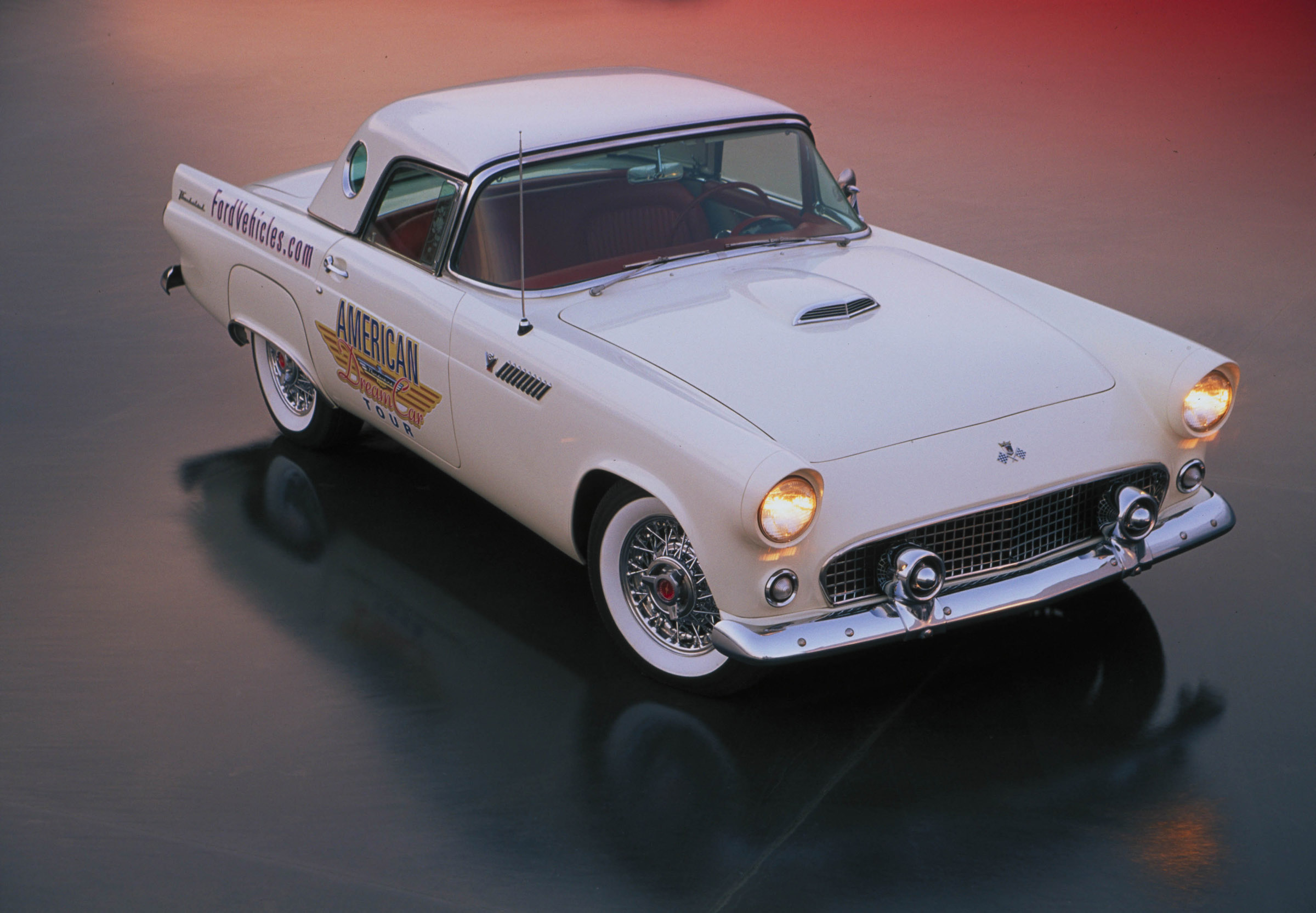 ford thunderbird convertible american dream car  picture