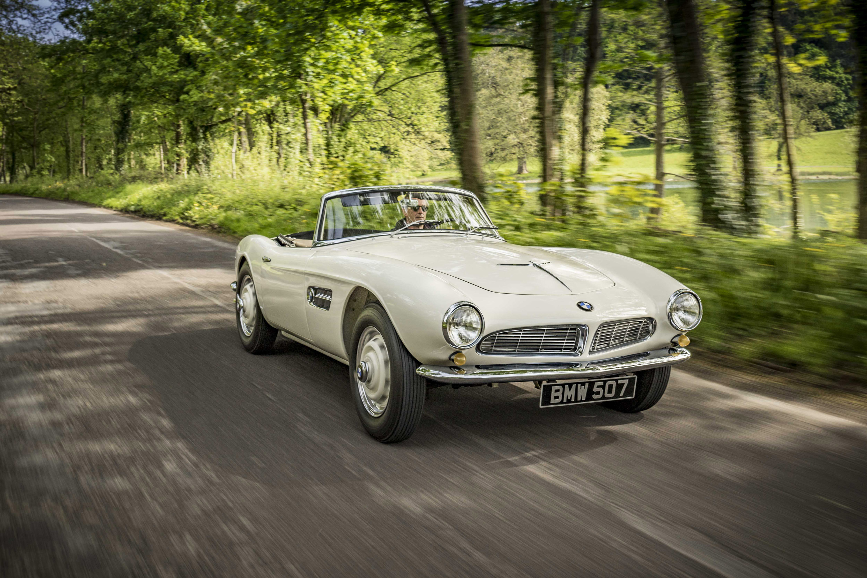 goodwood festival of speed opens with run of 1957 bmw 507. Black Bedroom Furniture Sets. Home Design Ideas