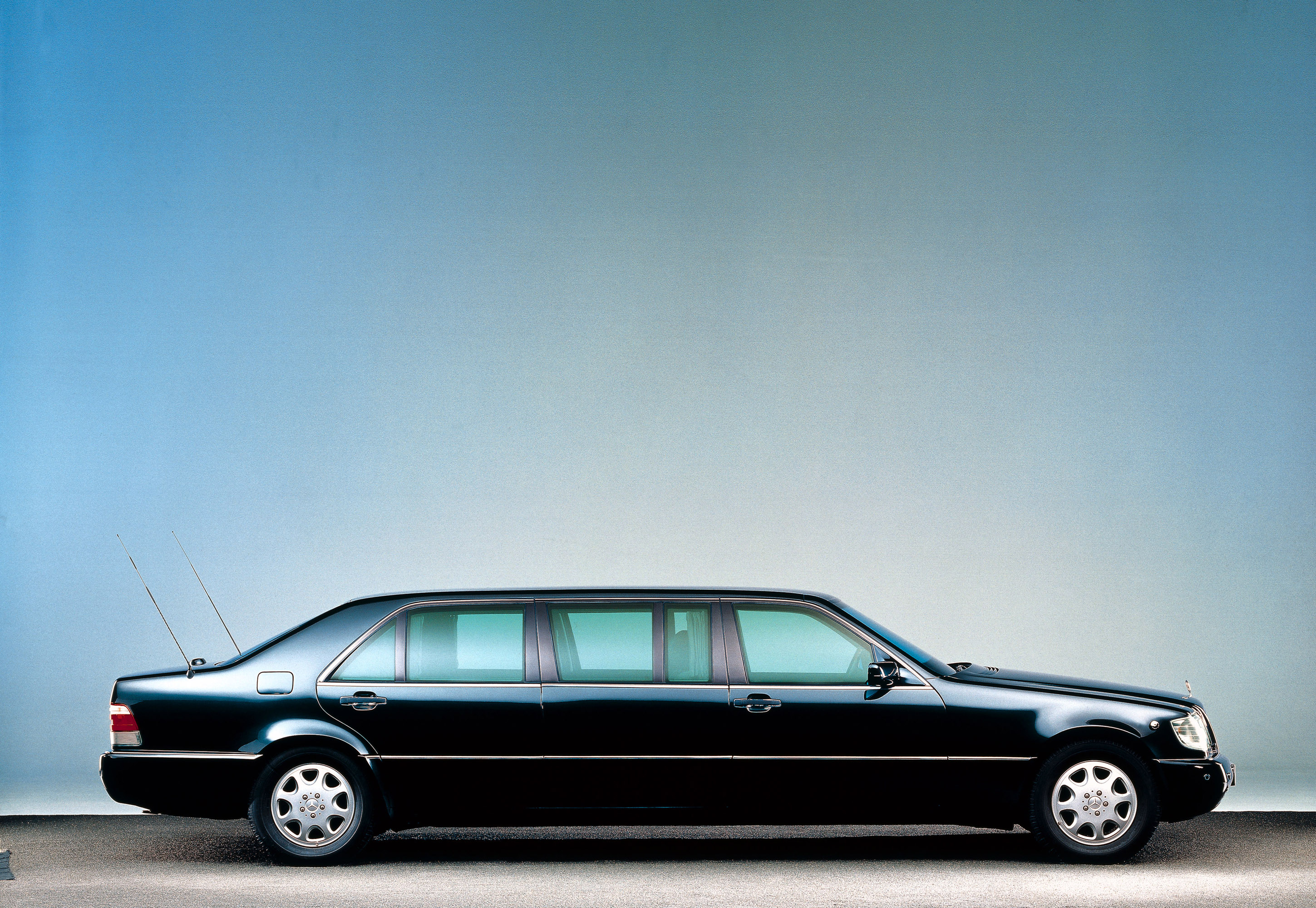 1998 mercedes benz s600 pullman limousine w140 picture 95043 for Mercedes benz pullman
