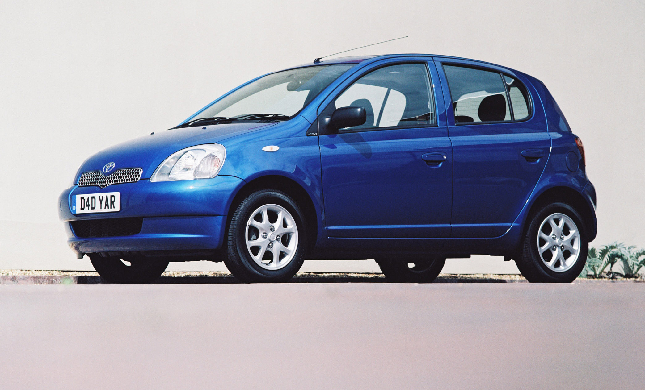 Kelebihan Toyota Yaris 1999 Review