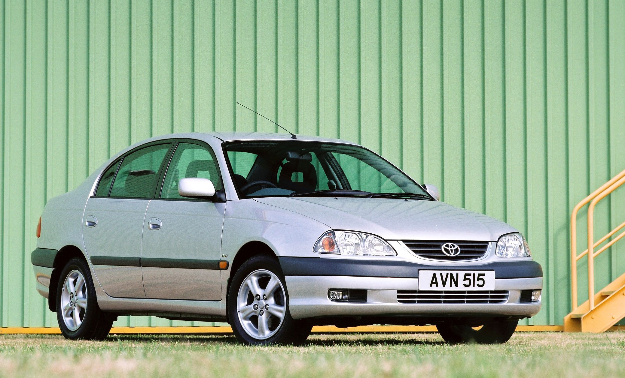 X1 Photos Mobile App >> 2000 Toyota Avensis - Picture 76826