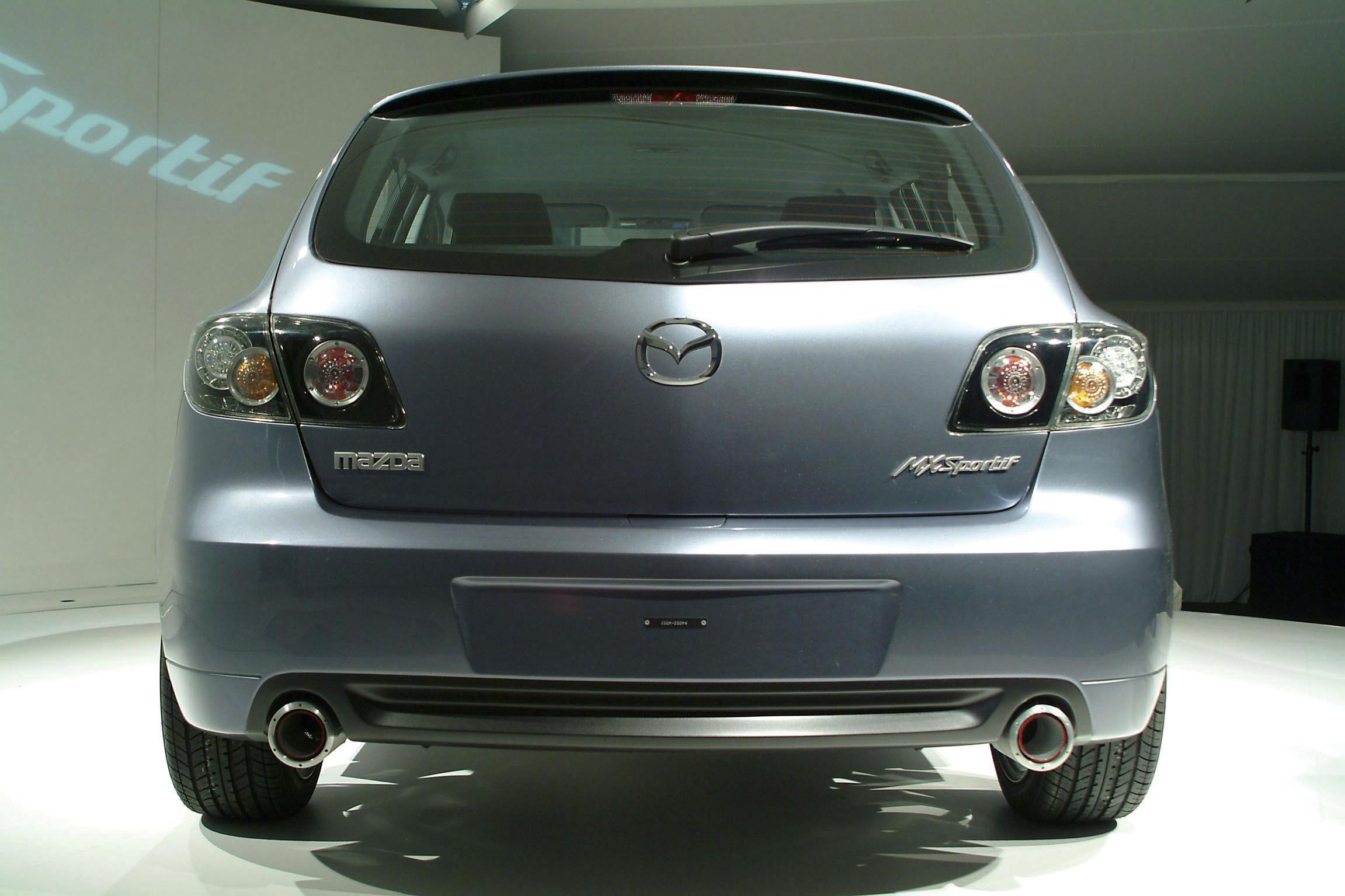https://www.automobilesreview.com/gallery/2003-mazda-mx-sportif-concept/2003-mazda-mx-sportif-concept-20.jpg