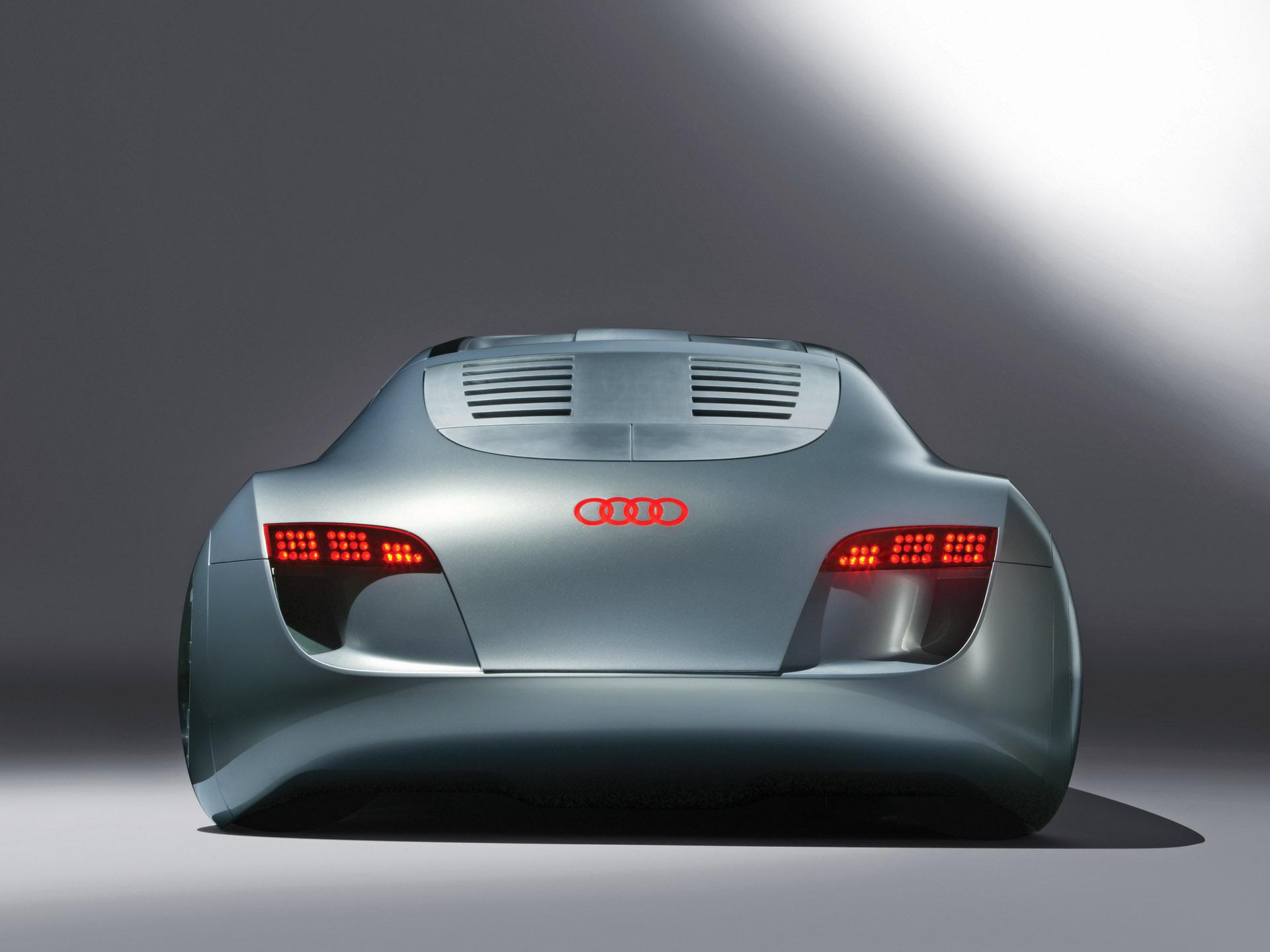 Audi Rsq Sport Coupe Concept on Land Rover Lrx Concept Interior