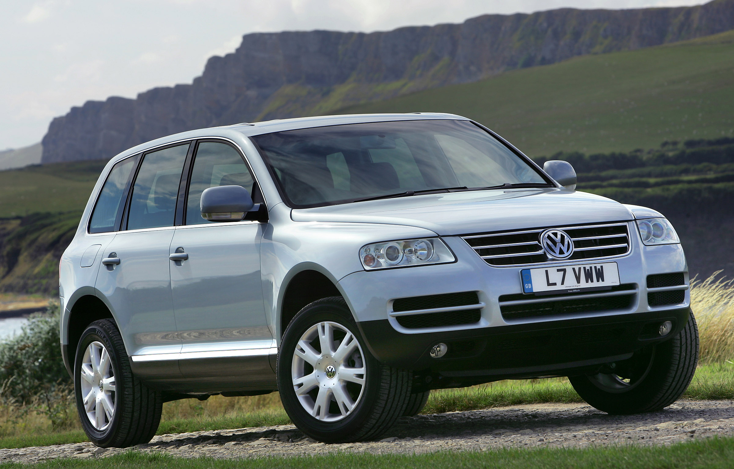 image gallery 2005 volkswagen touareg. Black Bedroom Furniture Sets. Home Design Ideas