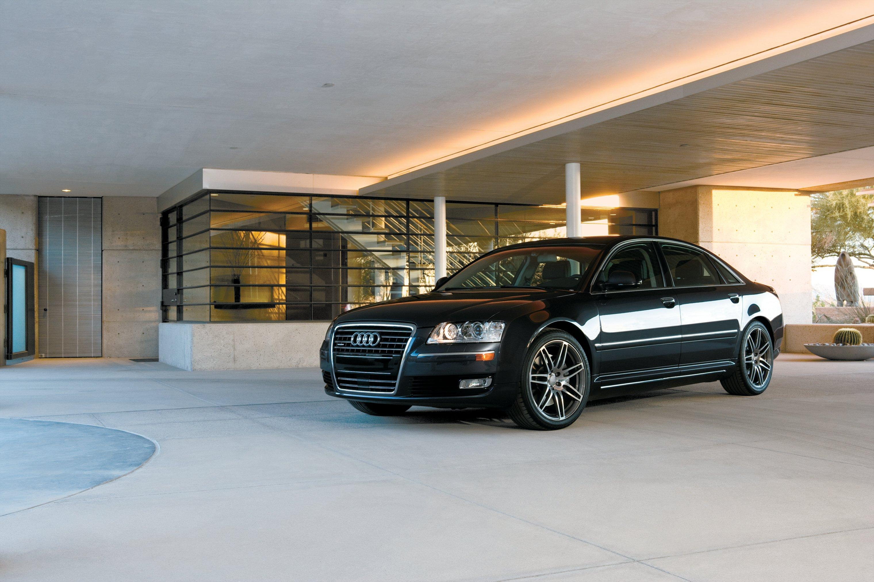 What's 2009's Top Luxury Car?