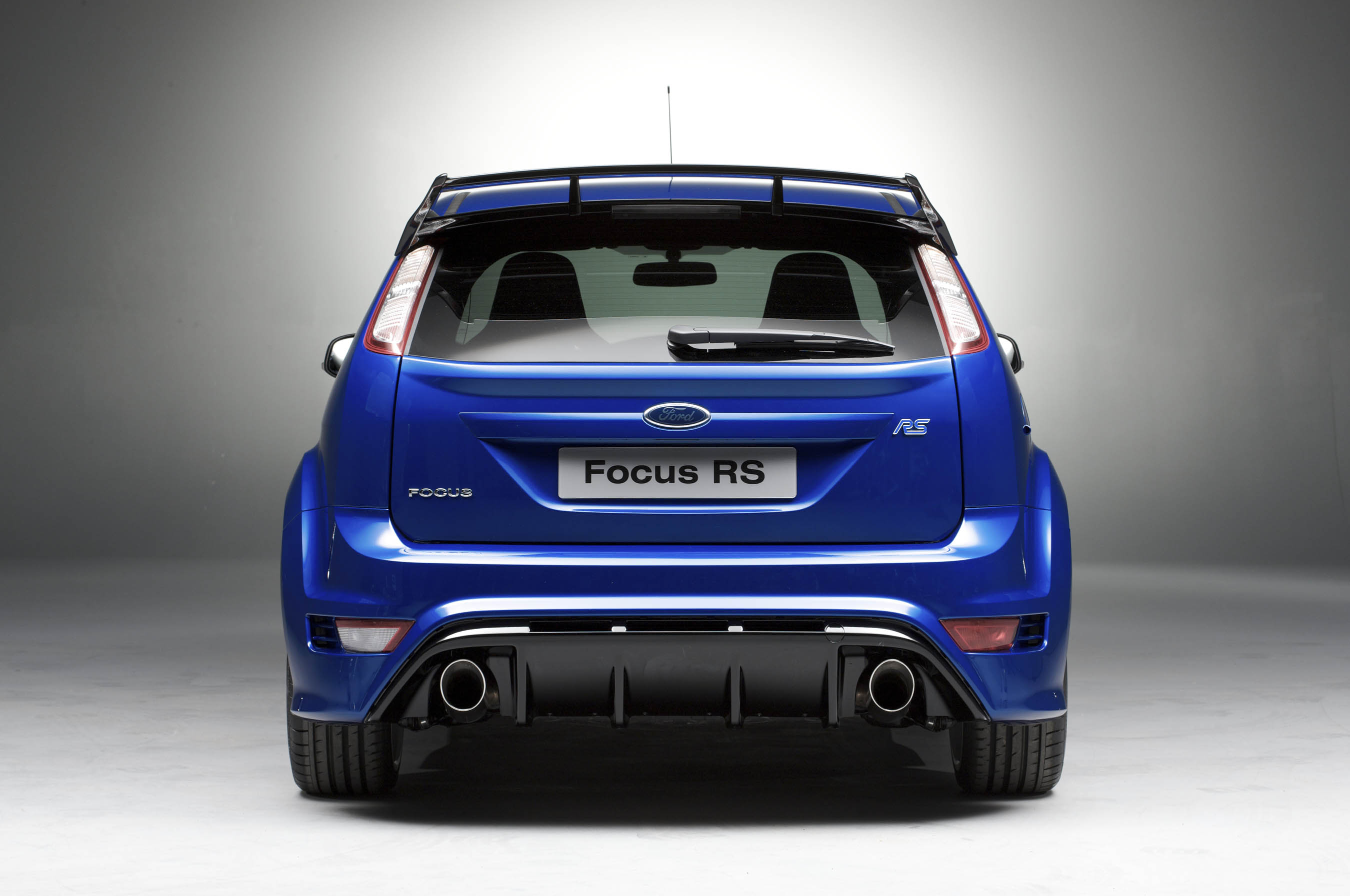 New Ford Focus Rs In Detail Engine 2000 First Generation 02 2002 2008