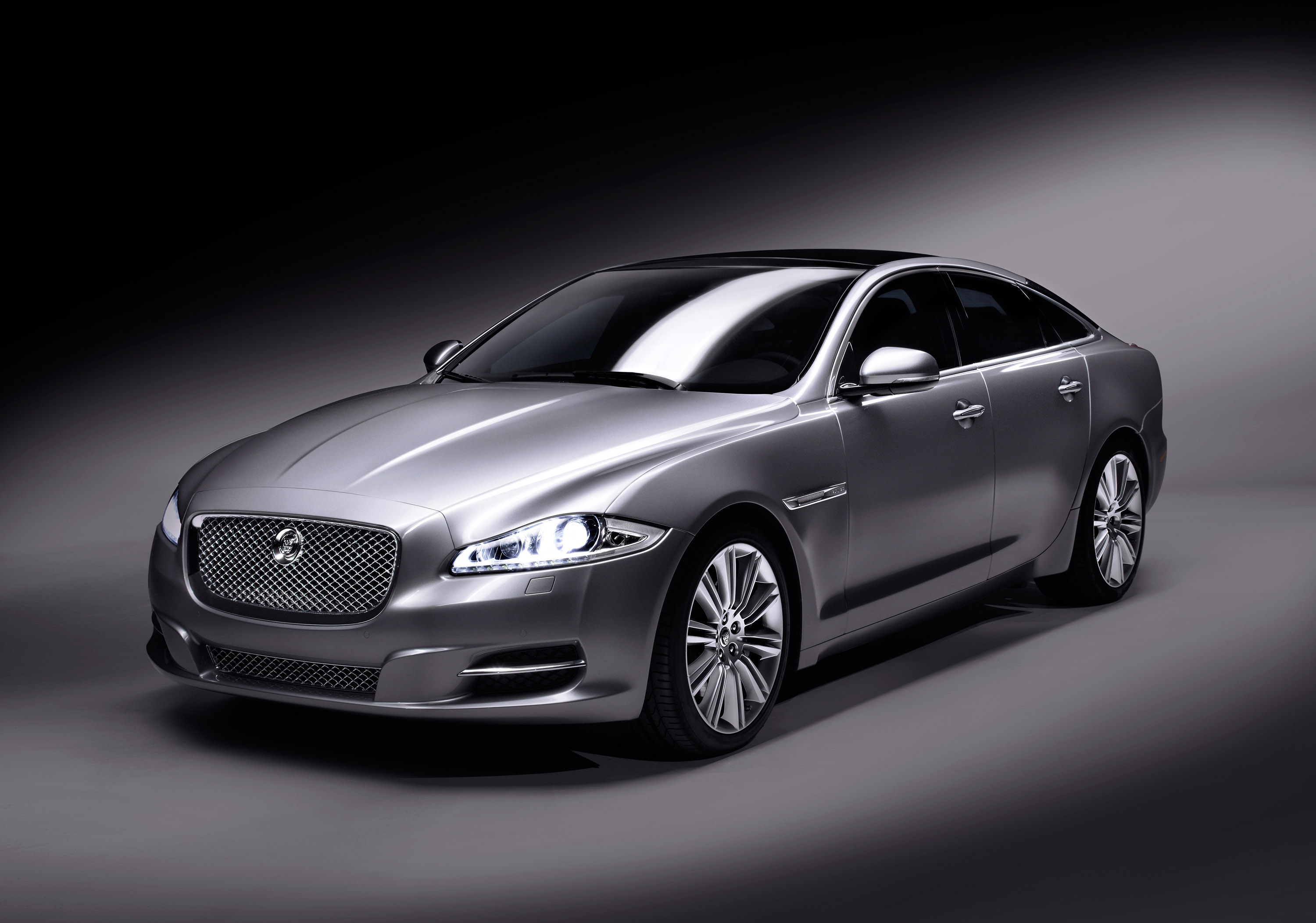 the all new jaguar xj will public debut at this year s salon priv. Black Bedroom Furniture Sets. Home Design Ideas