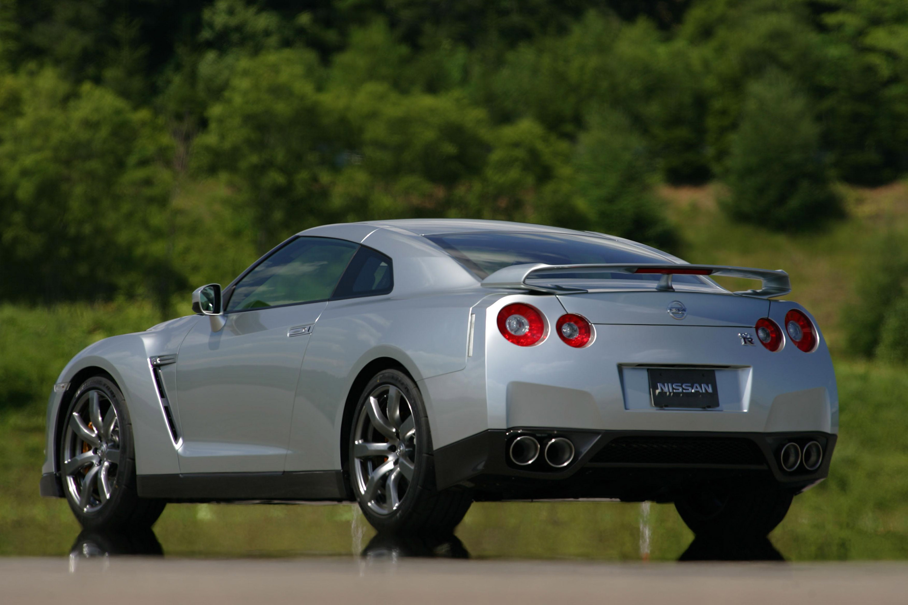 Gtr Alpha 12 >> Nissan GT-R Voted Performance Car Of The Year At What Car ...