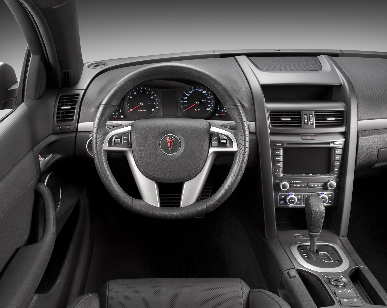 pontiac g8 hits the streets of canada rh automobilesreview com pontiac g8 gt manual transmission conversion 2009 pontiac g8 gt automatic transmission