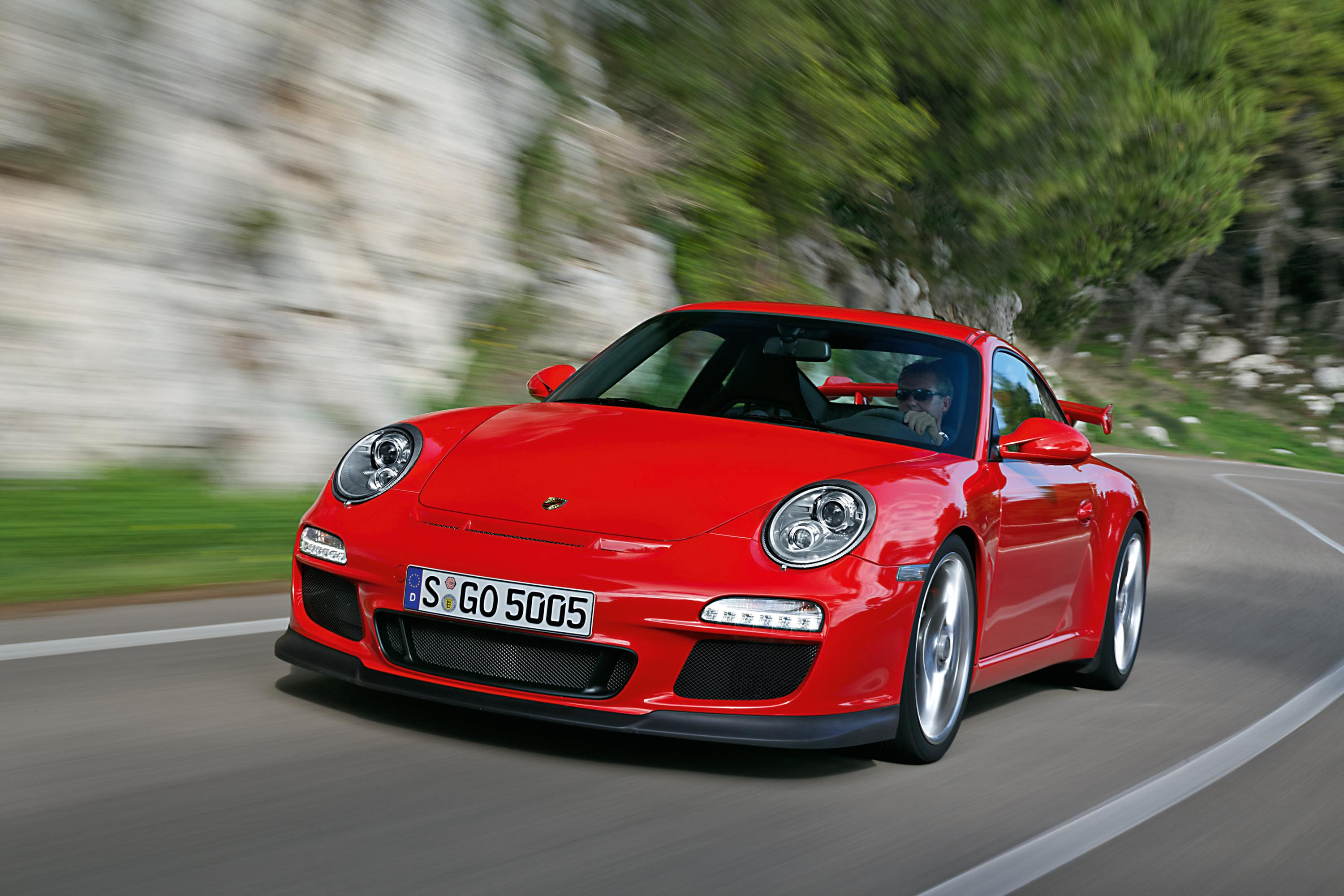 porsche to debut the cayenne diesel and 911 gt3 in germany. Black Bedroom Furniture Sets. Home Design Ideas