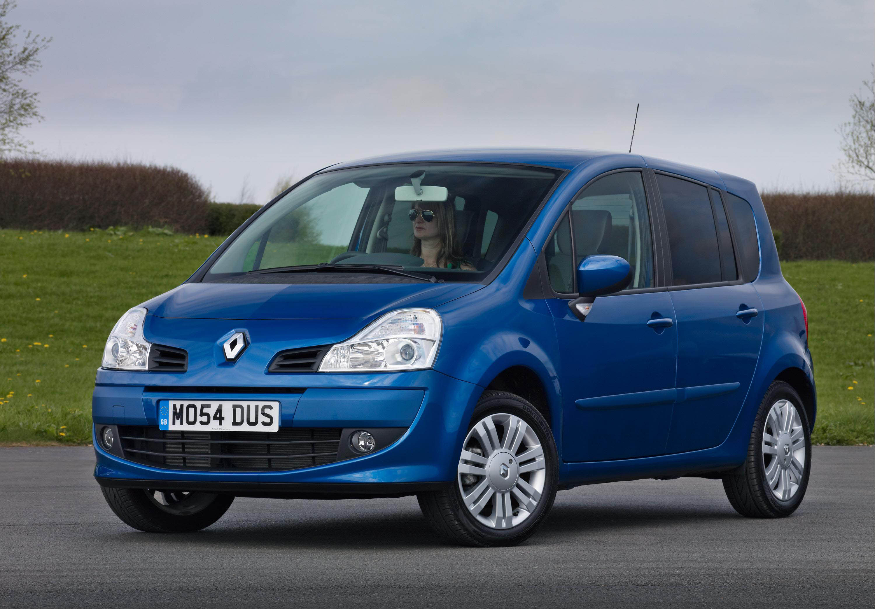 renault modus is named best small mpv in green car awards. Black Bedroom Furniture Sets. Home Design Ideas