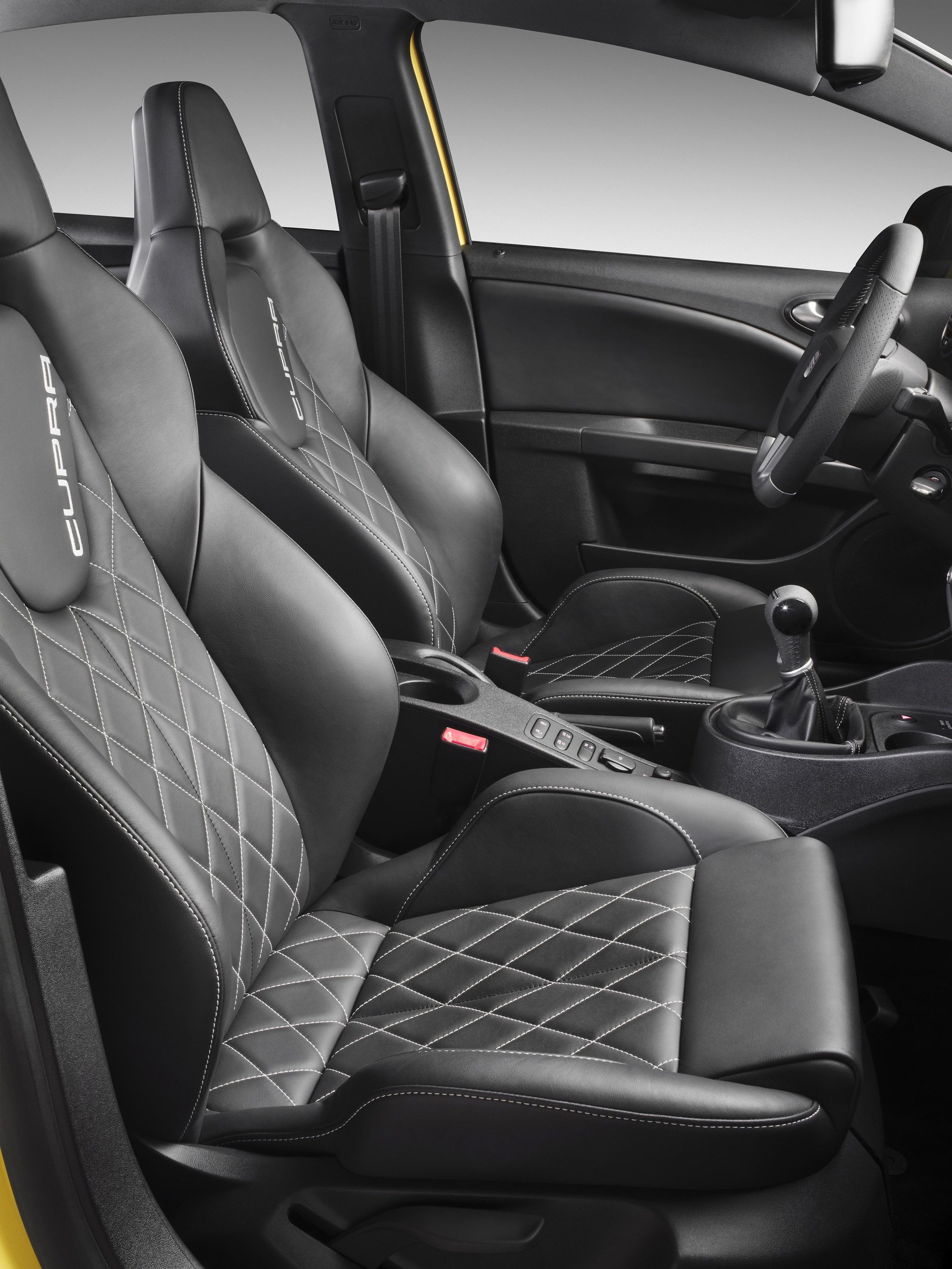 Ibiza FR and the Leon CUPRA Boost Seat\'s Sporty Range