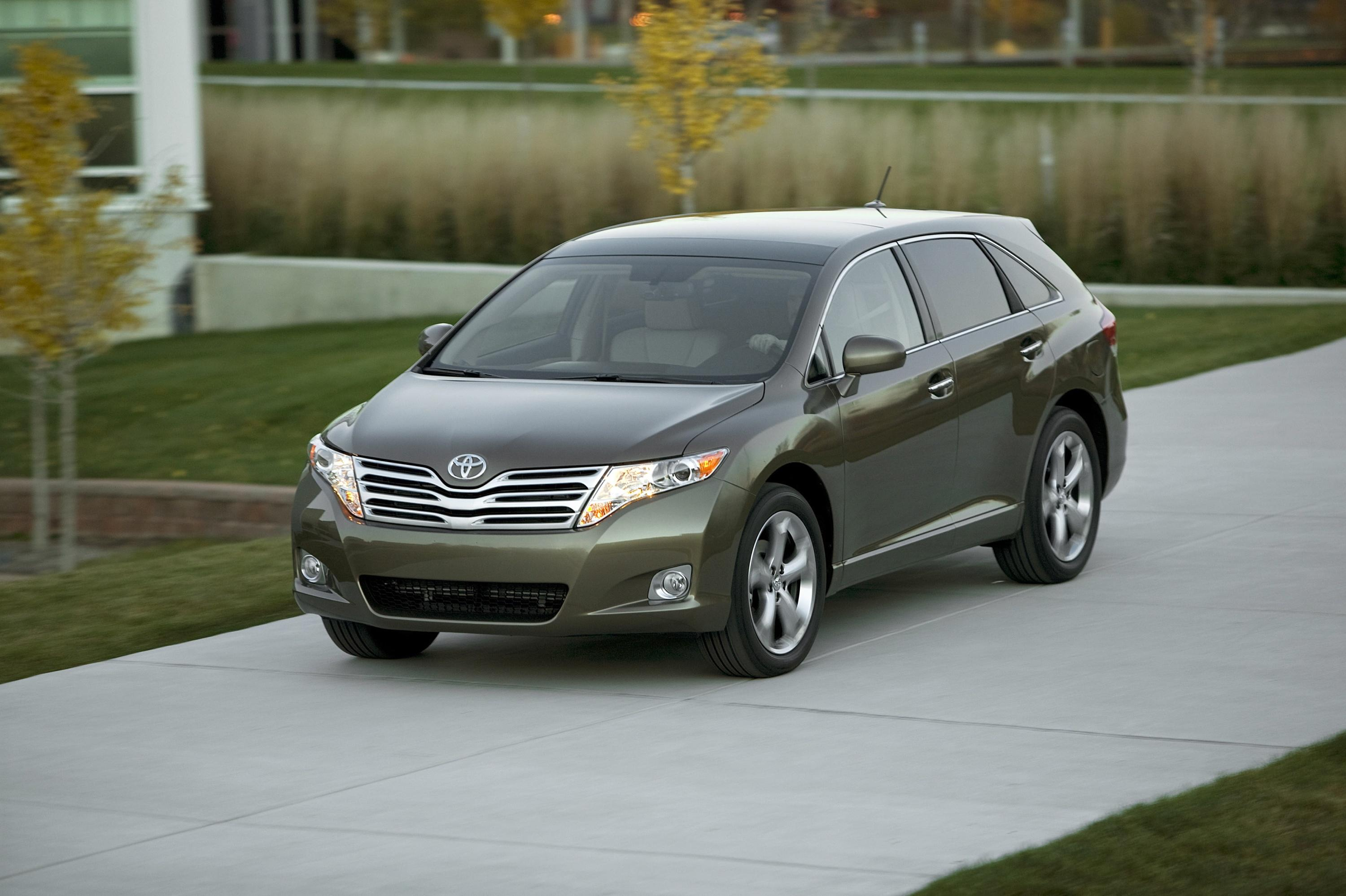 Toyota Introduces New 2009 Venza