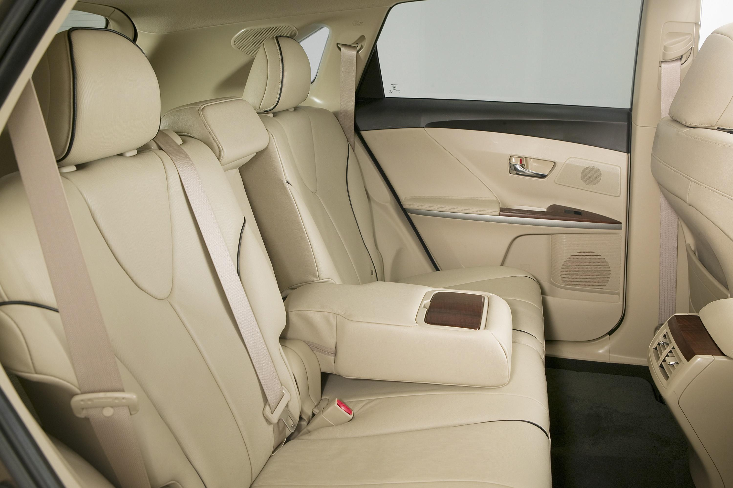 Toyota S New 2009 Venza Optimizes The Traditional
