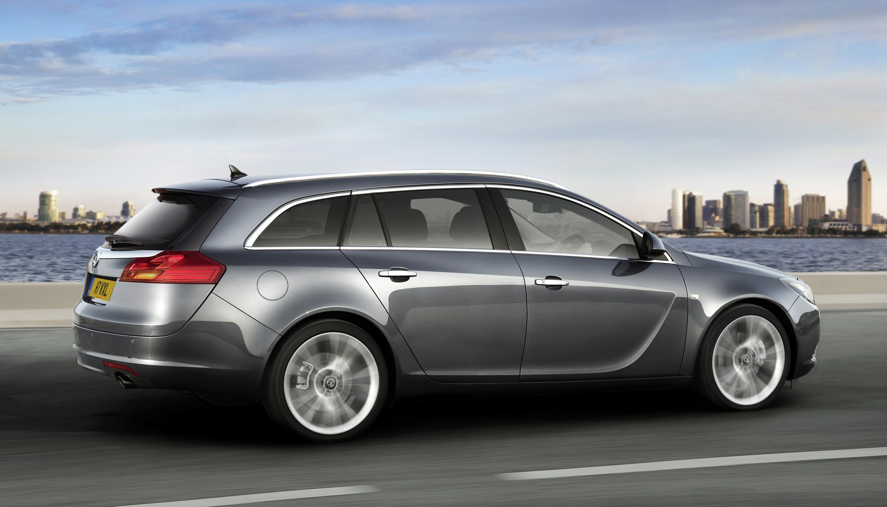vauxhall to reveal third insignia variant at paris show. Black Bedroom Furniture Sets. Home Design Ideas