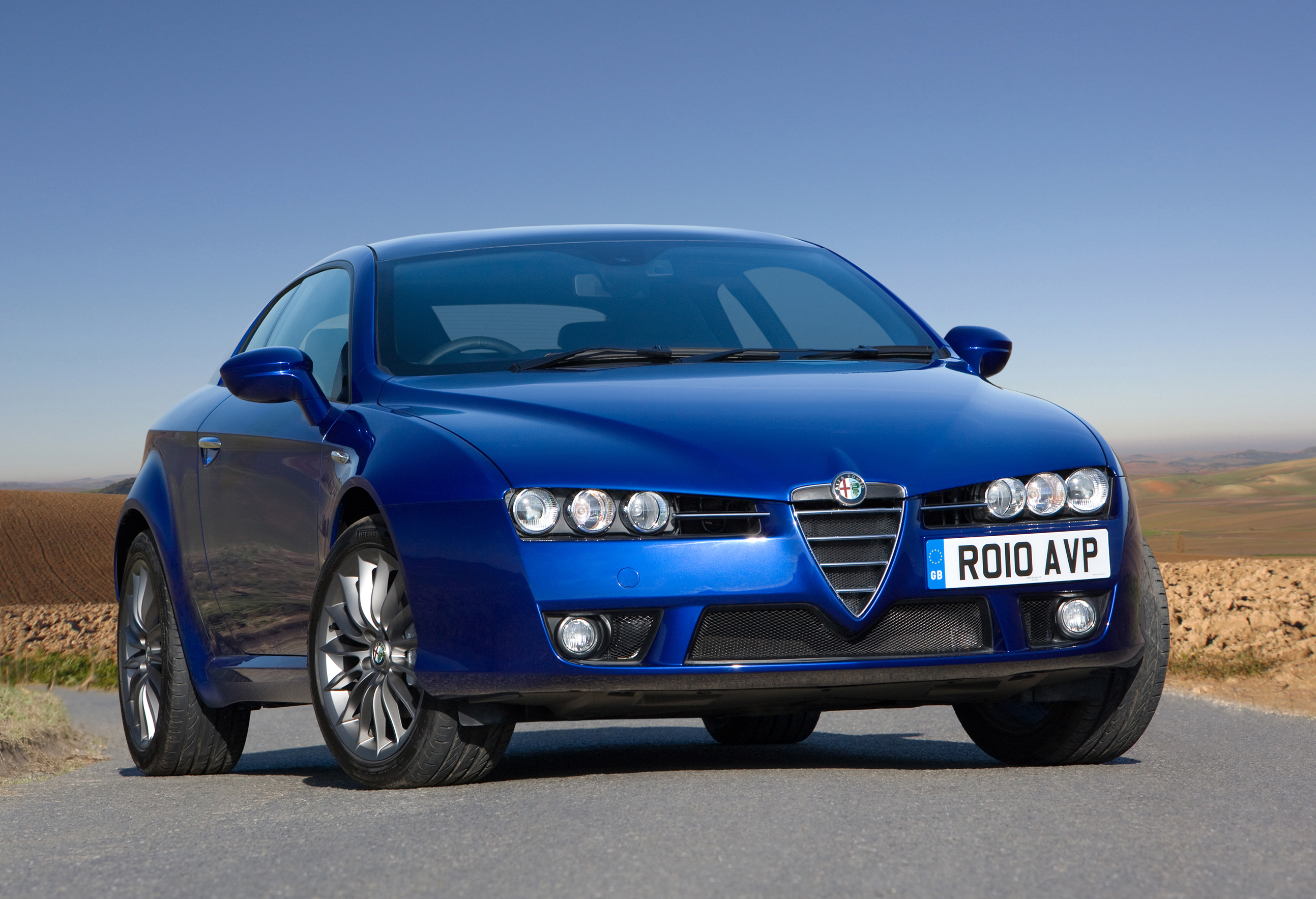 alfa romeo uk offers exclusive trim level for brera and spider. Black Bedroom Furniture Sets. Home Design Ideas