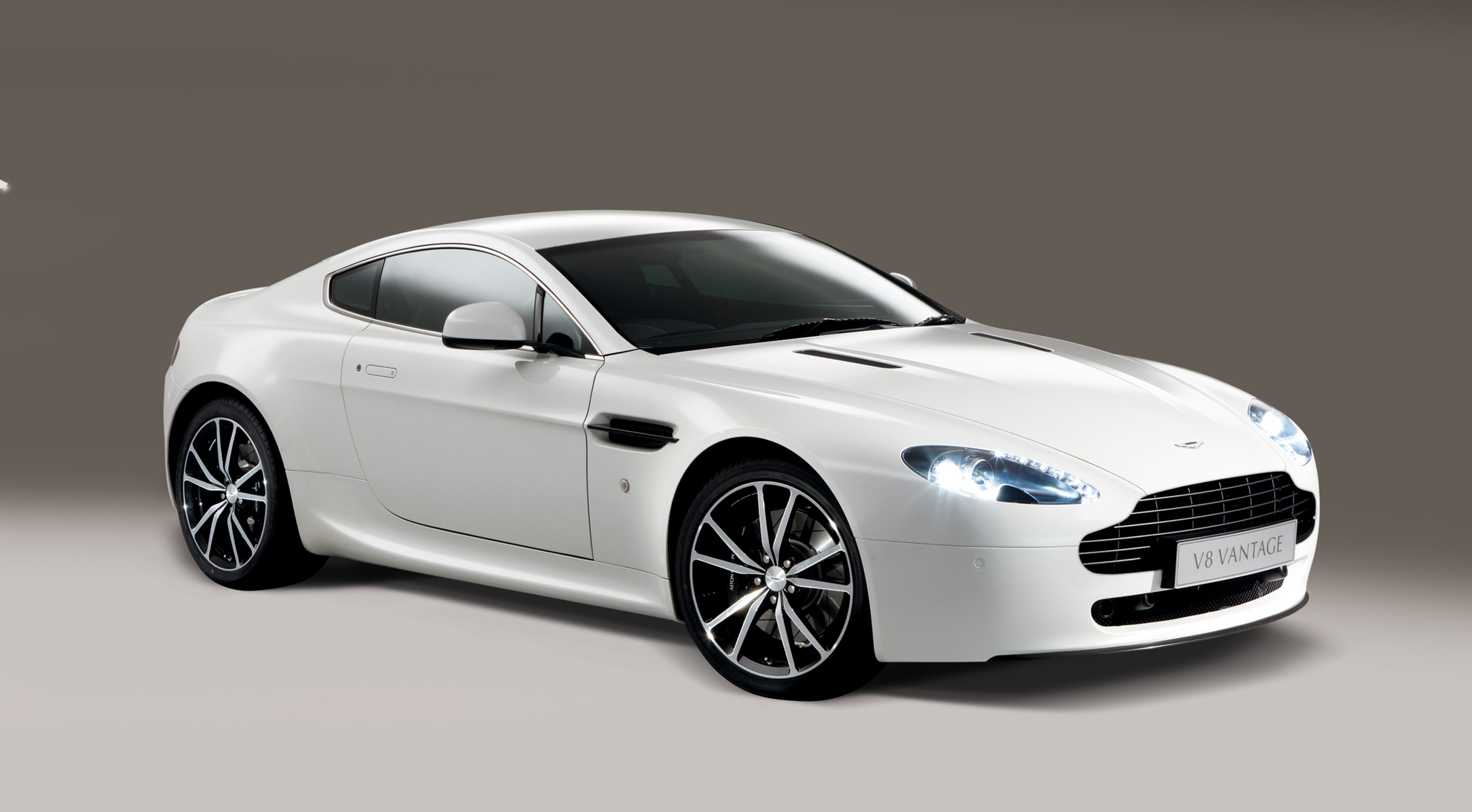 2010 aston martin v8 vantage n420 is announced. Black Bedroom Furniture Sets. Home Design Ideas