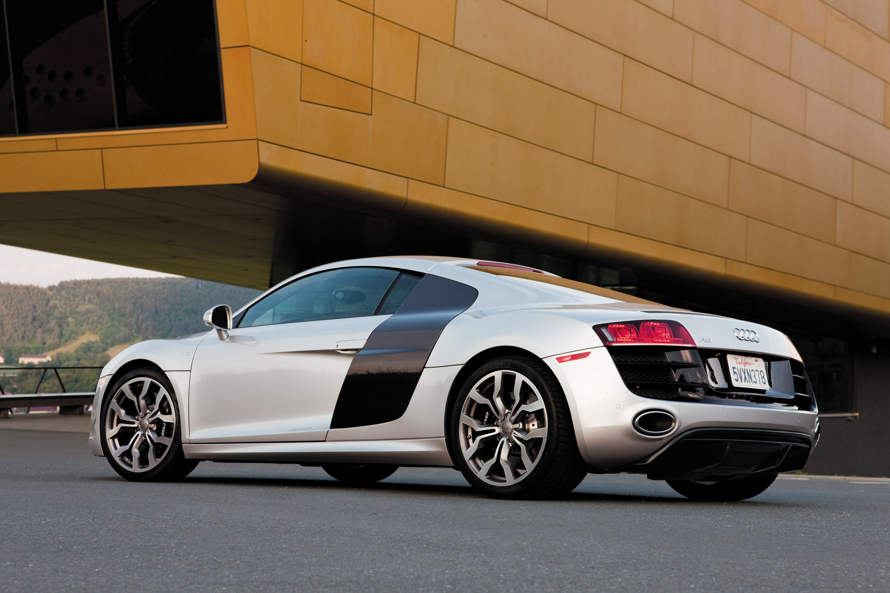 2010 audi r8 5 2 fsi quattro pricing announced. Black Bedroom Furniture Sets. Home Design Ideas