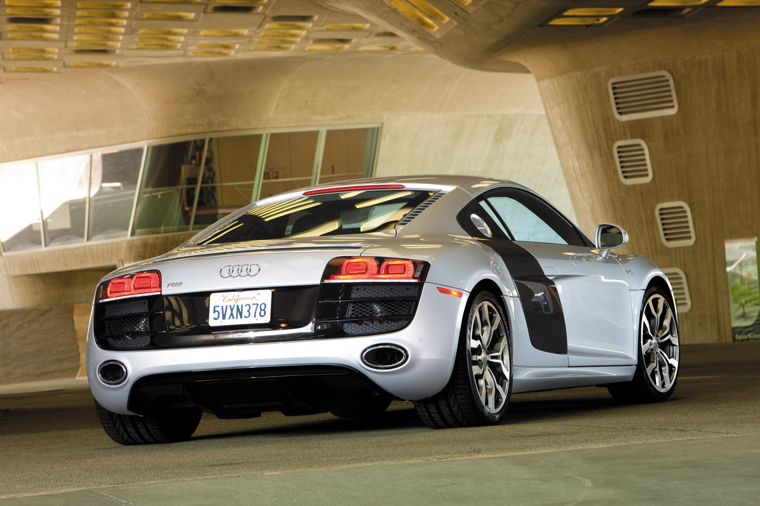 2009 audi r8 42 coupe 060