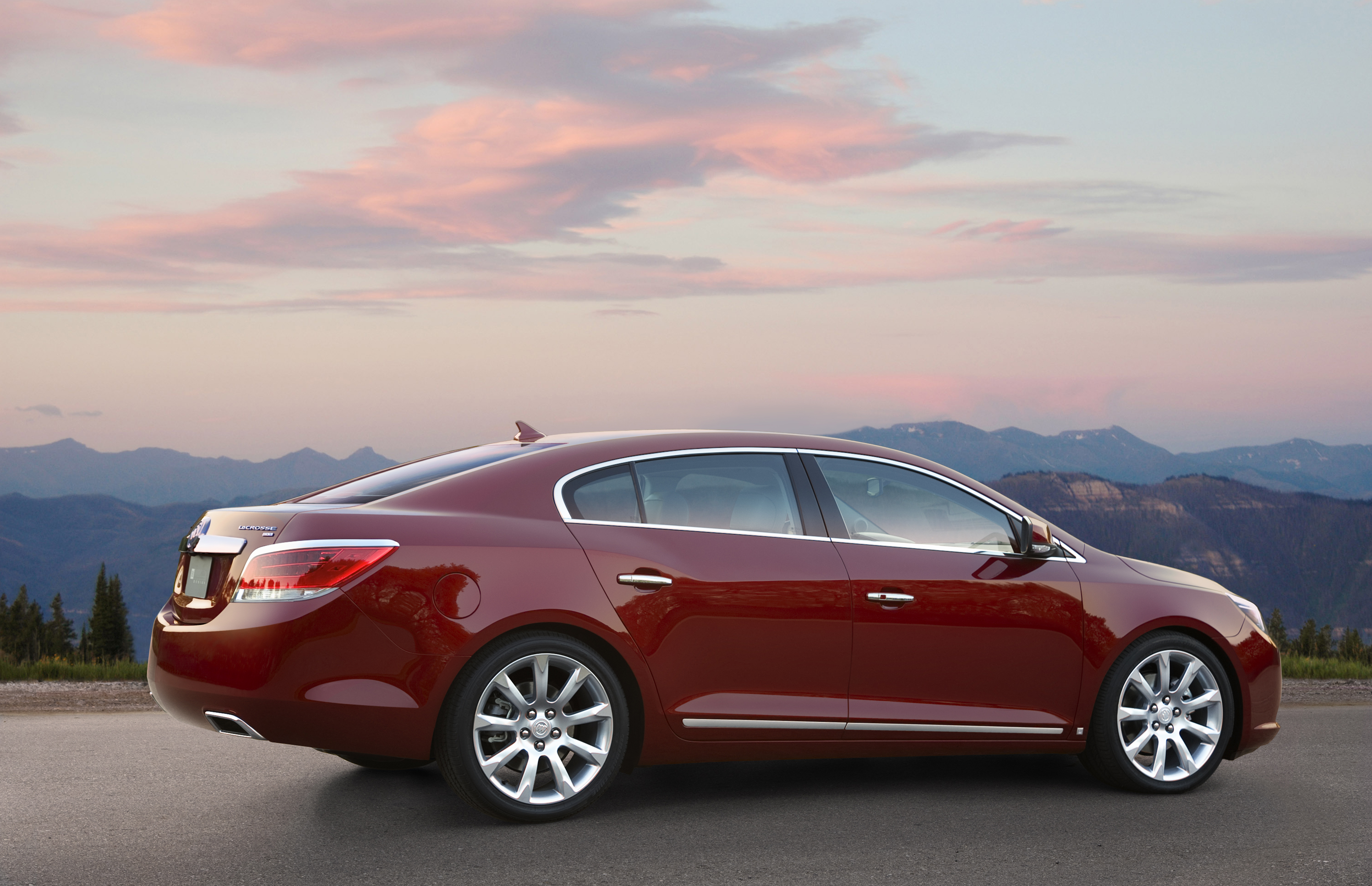 Buick Announces Pricing For The 2010 Lacrosse Luxury Sedan