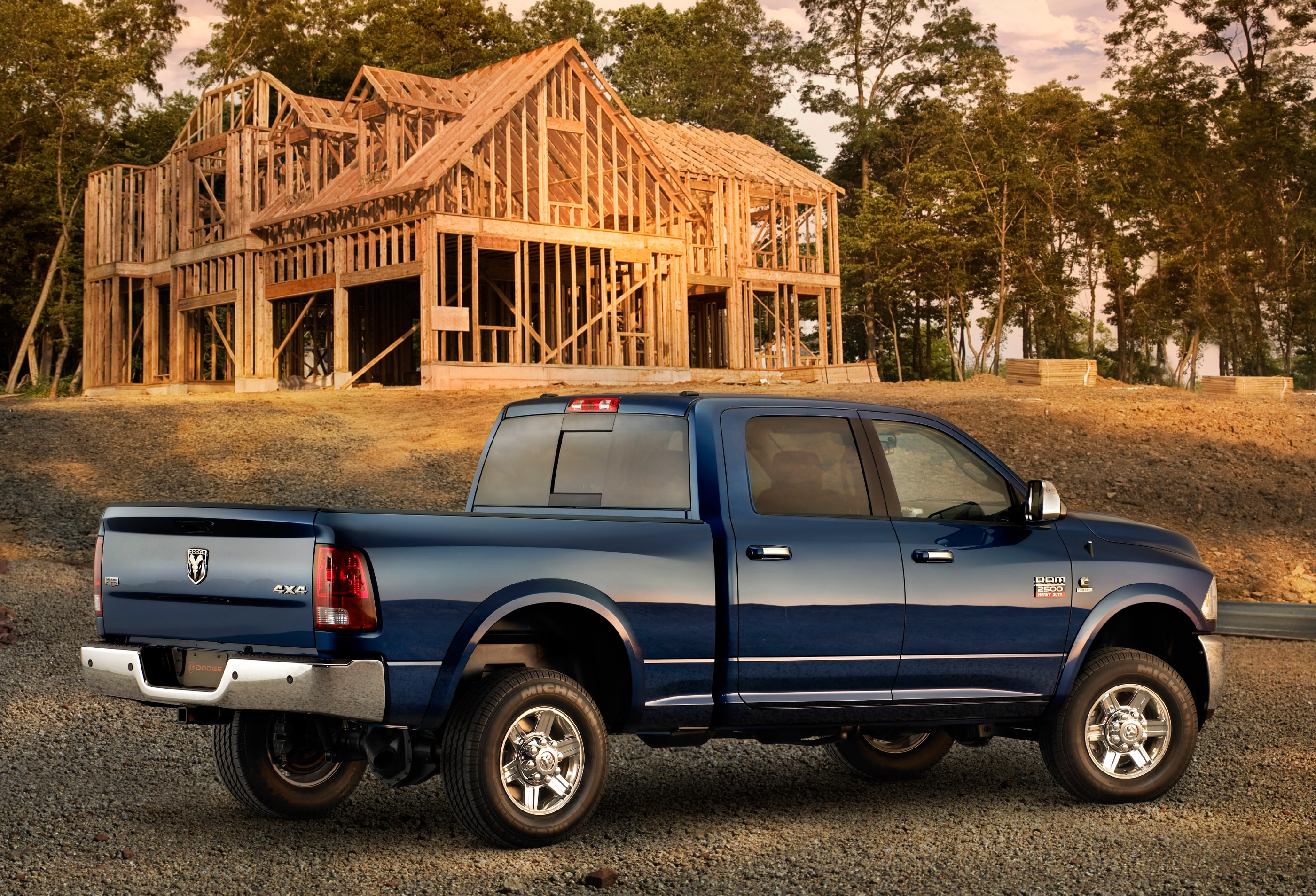 2010 Dodge Ram 2500 and 3500 will be the Ultimate Heavy-Duty Pickup Trucks