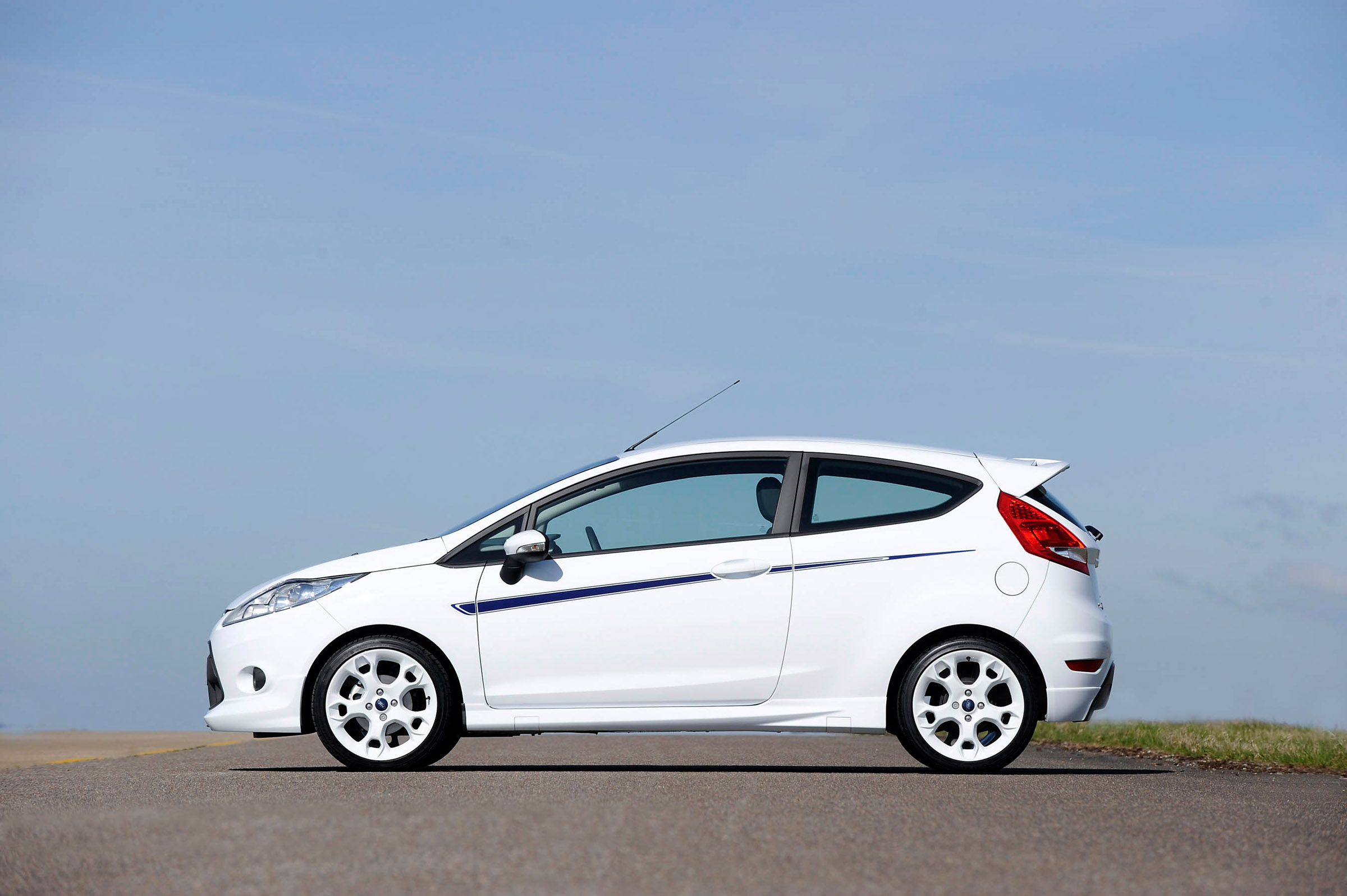 2010 ford fiesta s1600 another sporty addition. Black Bedroom Furniture Sets. Home Design Ideas