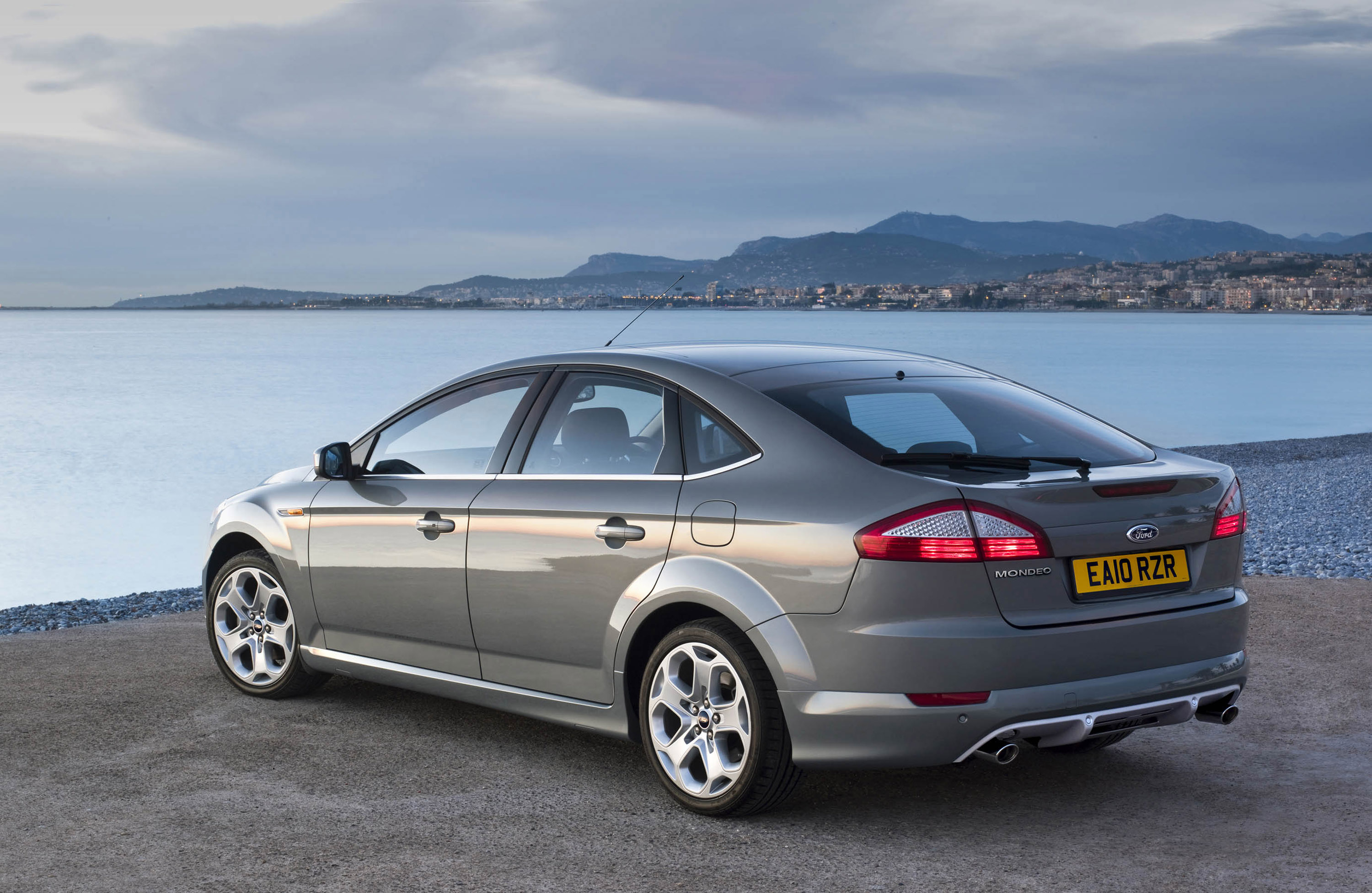 2010 ford mondeo comes with improved engine range and equipment. Black Bedroom Furniture Sets. Home Design Ideas