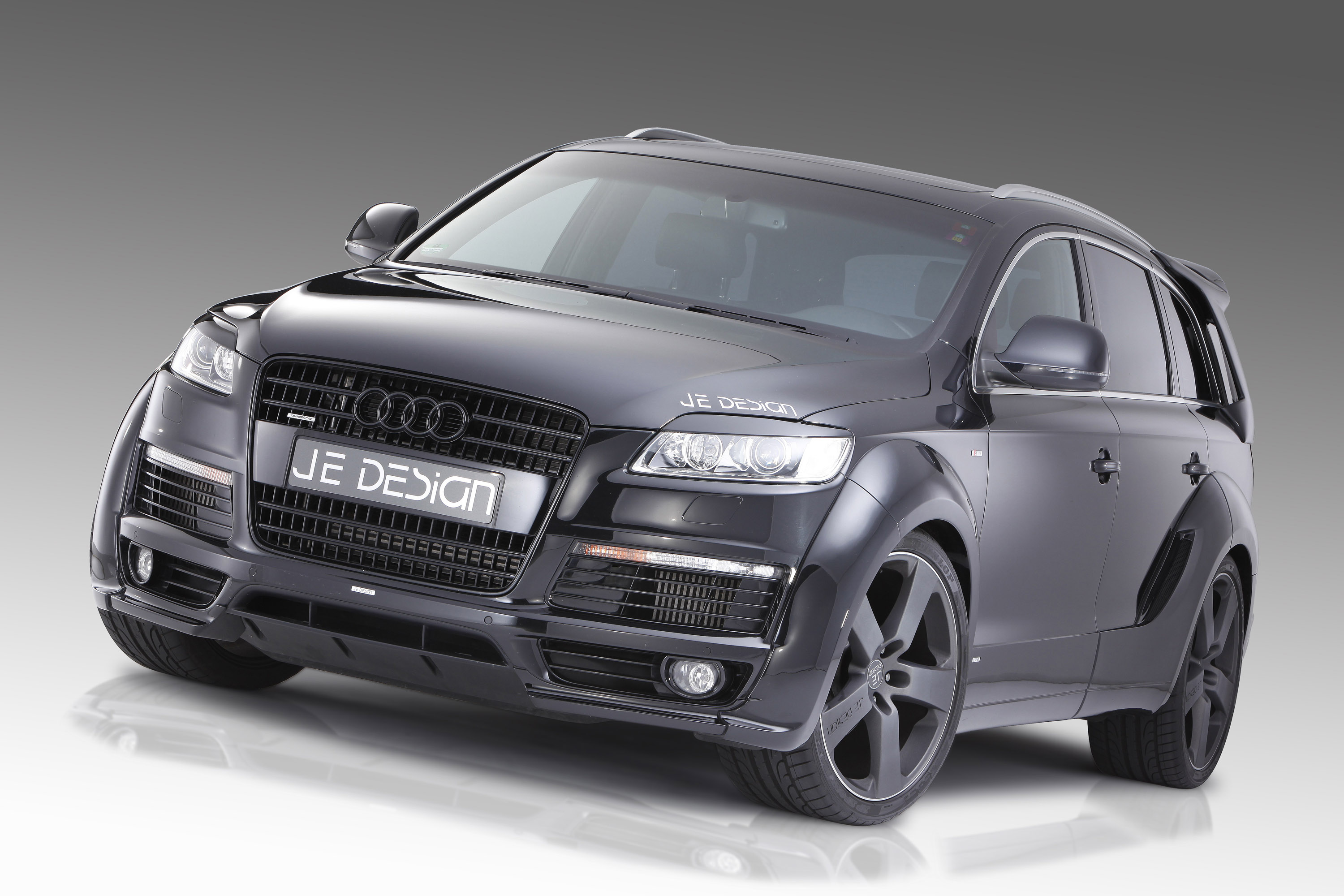 audi q7 s line pimped by je design. Black Bedroom Furniture Sets. Home Design Ideas