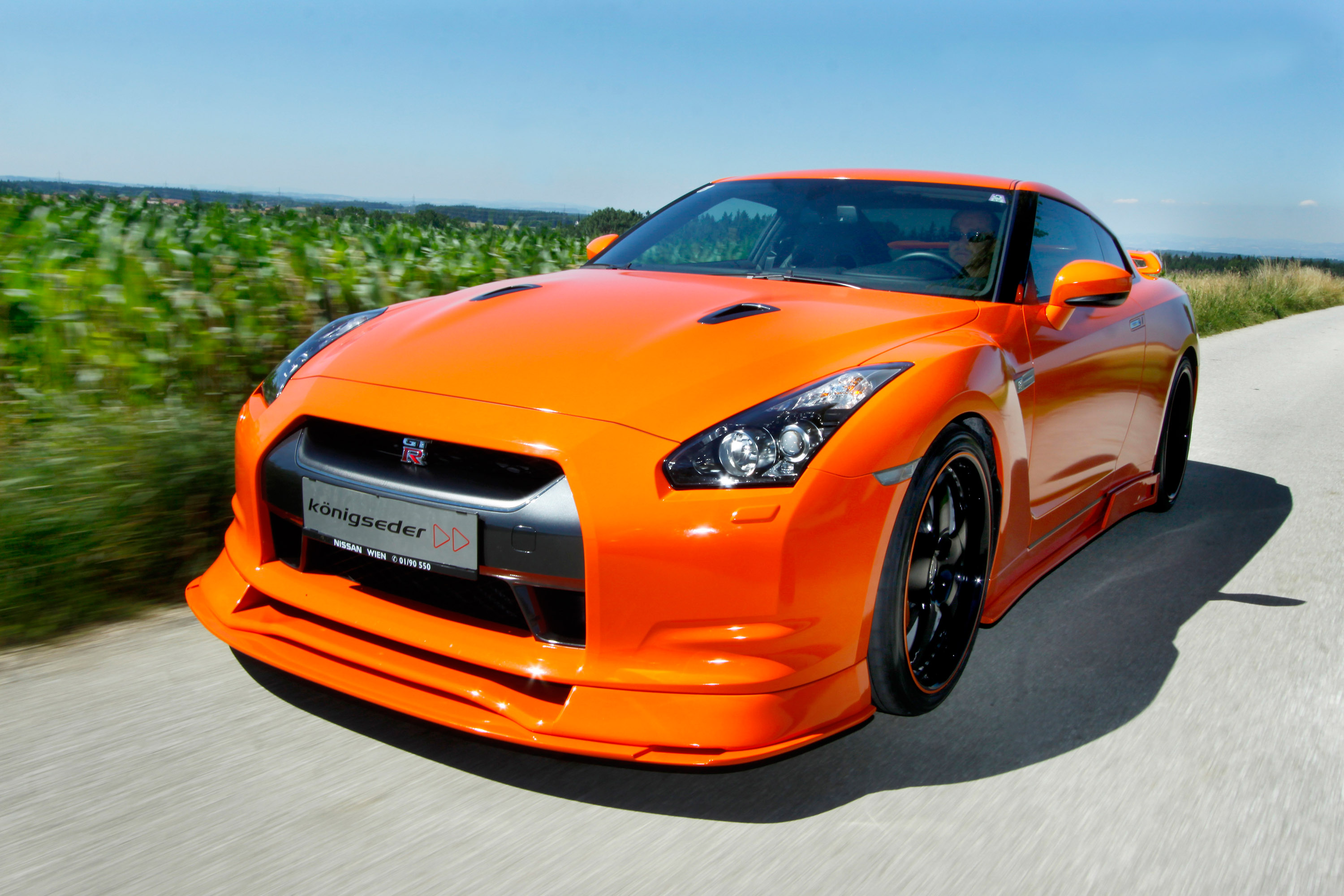 konigseder makes nissan gtr r35 stunningly beautiful. Black Bedroom Furniture Sets. Home Design Ideas