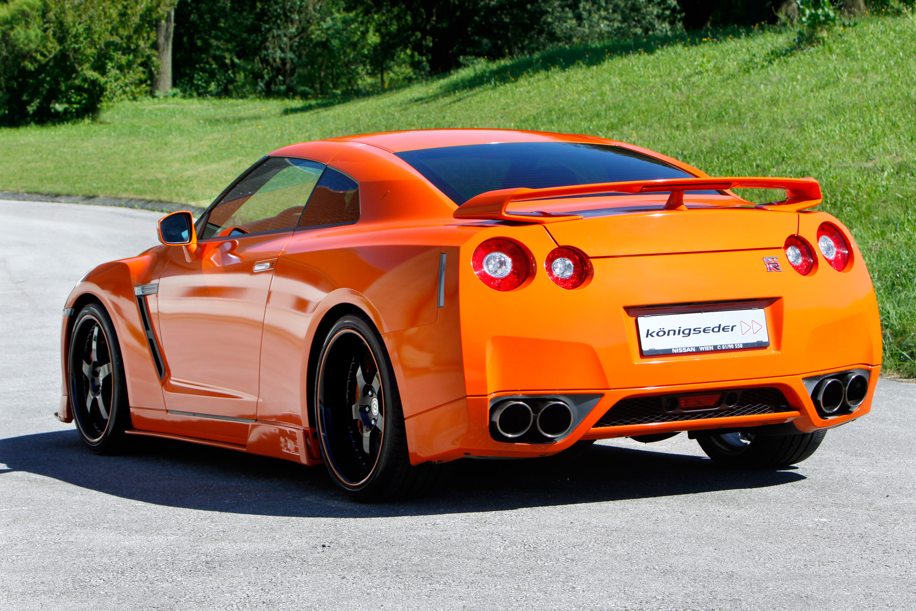 2010 konigseder nissan gtr r35 picture 40689. Black Bedroom Furniture Sets. Home Design Ideas