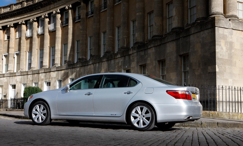 https://www.automobilesreview.com/gallery/2010-lexus-ls-600h/lexus-ls-600h-2010-05.jpg
