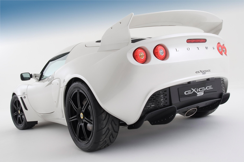 https://www.automobilesreview.com/gallery/2010-lotus-exige-s/2010-lotus-exige-s_03.jpg