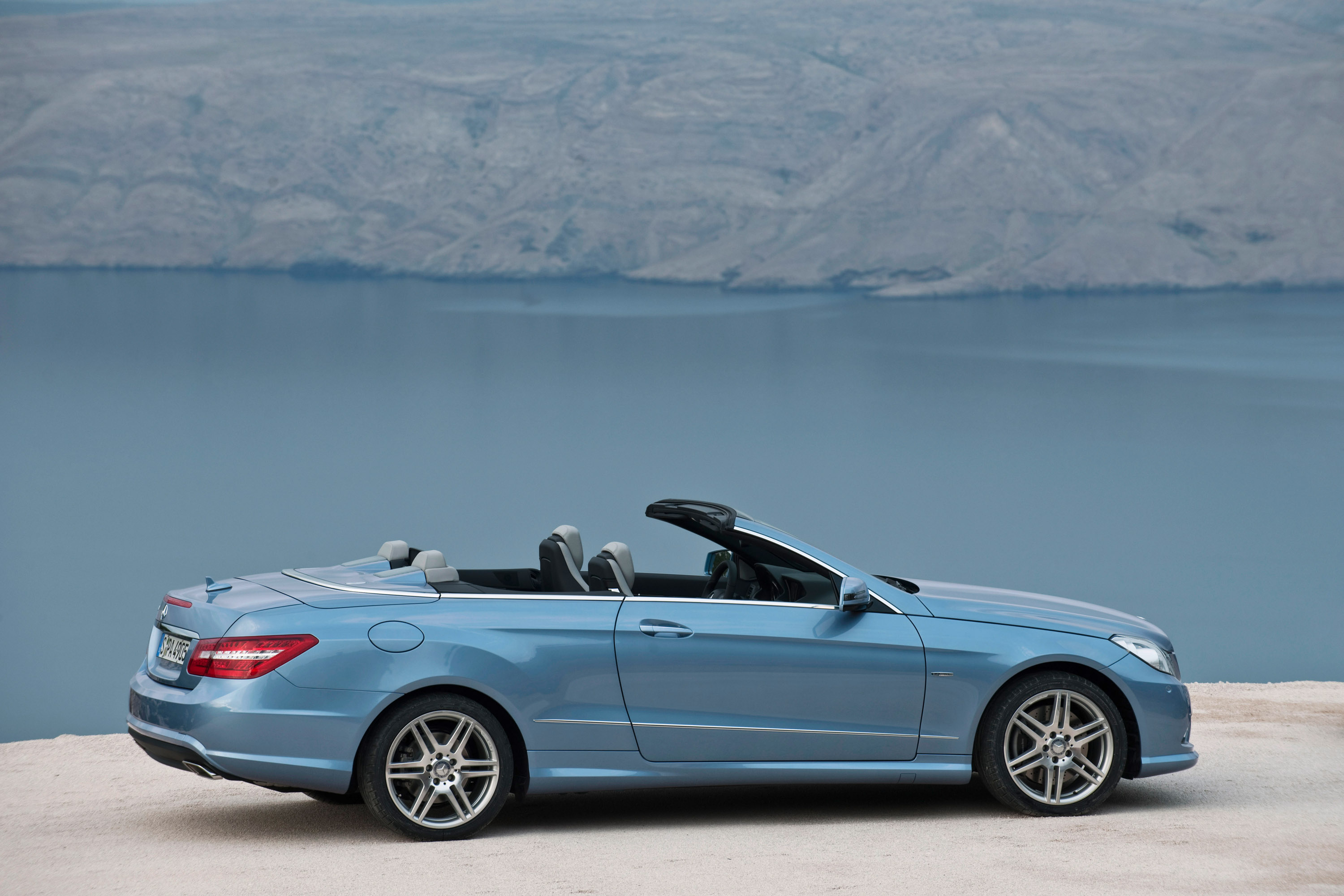 2010 mercedes benz e class cabriolet great open air emotions. Black Bedroom Furniture Sets. Home Design Ideas