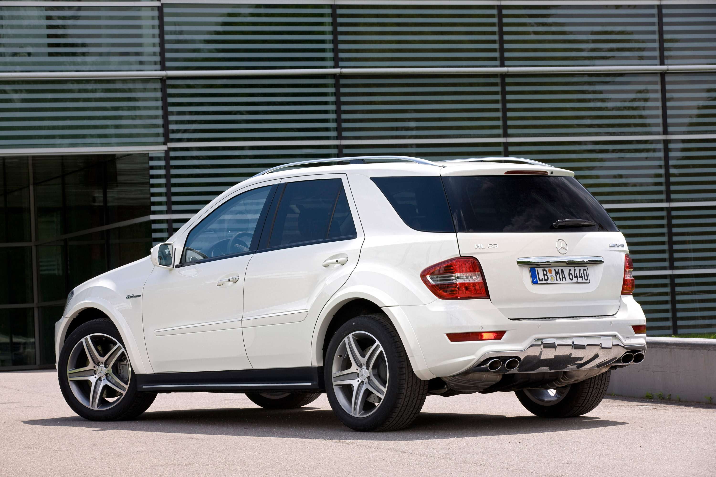 Mercedes benz releases updated ml63 amg for Mercedes benz schedule a