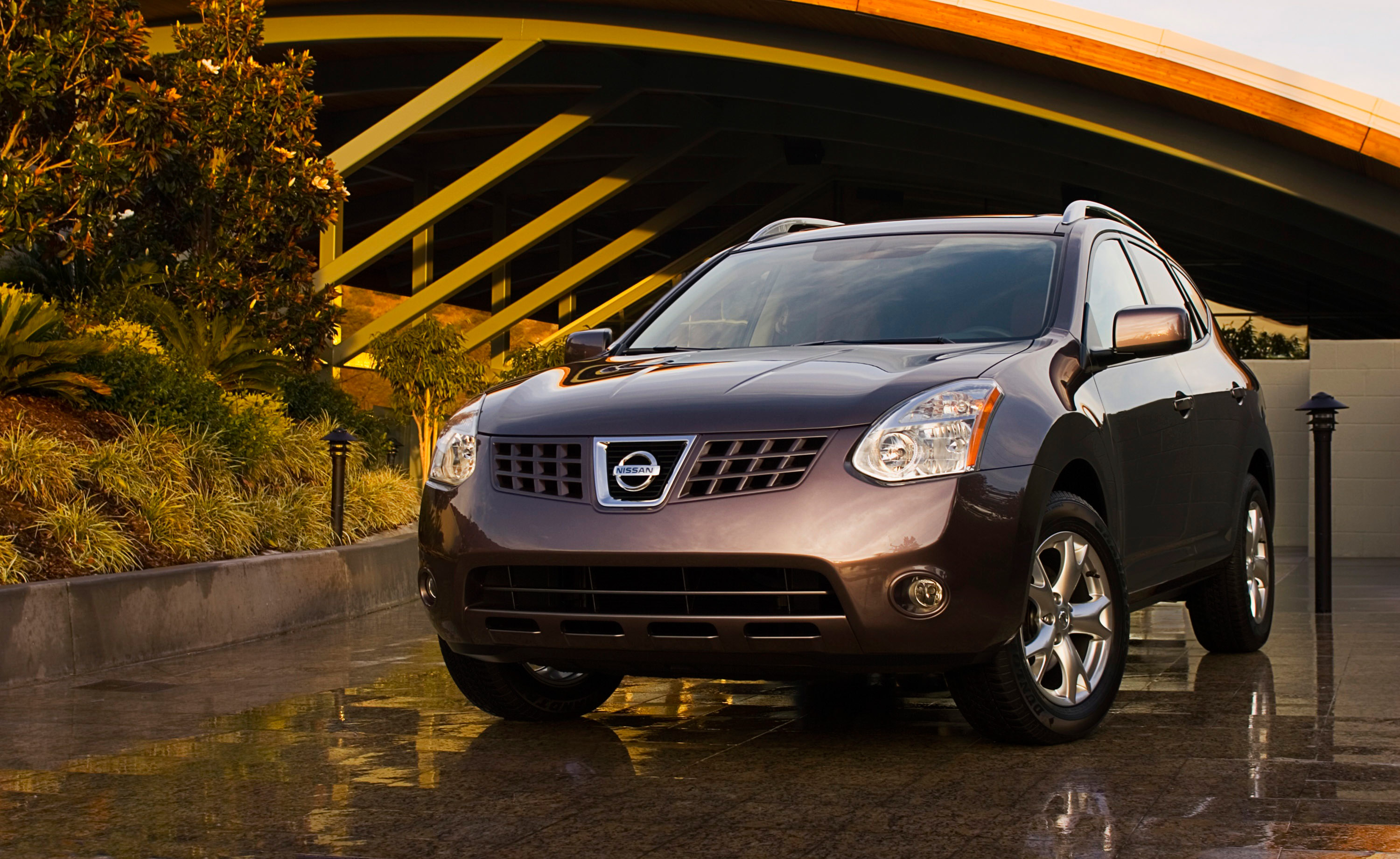 2010 nissan rogue pricing announced. Black Bedroom Furniture Sets. Home Design Ideas