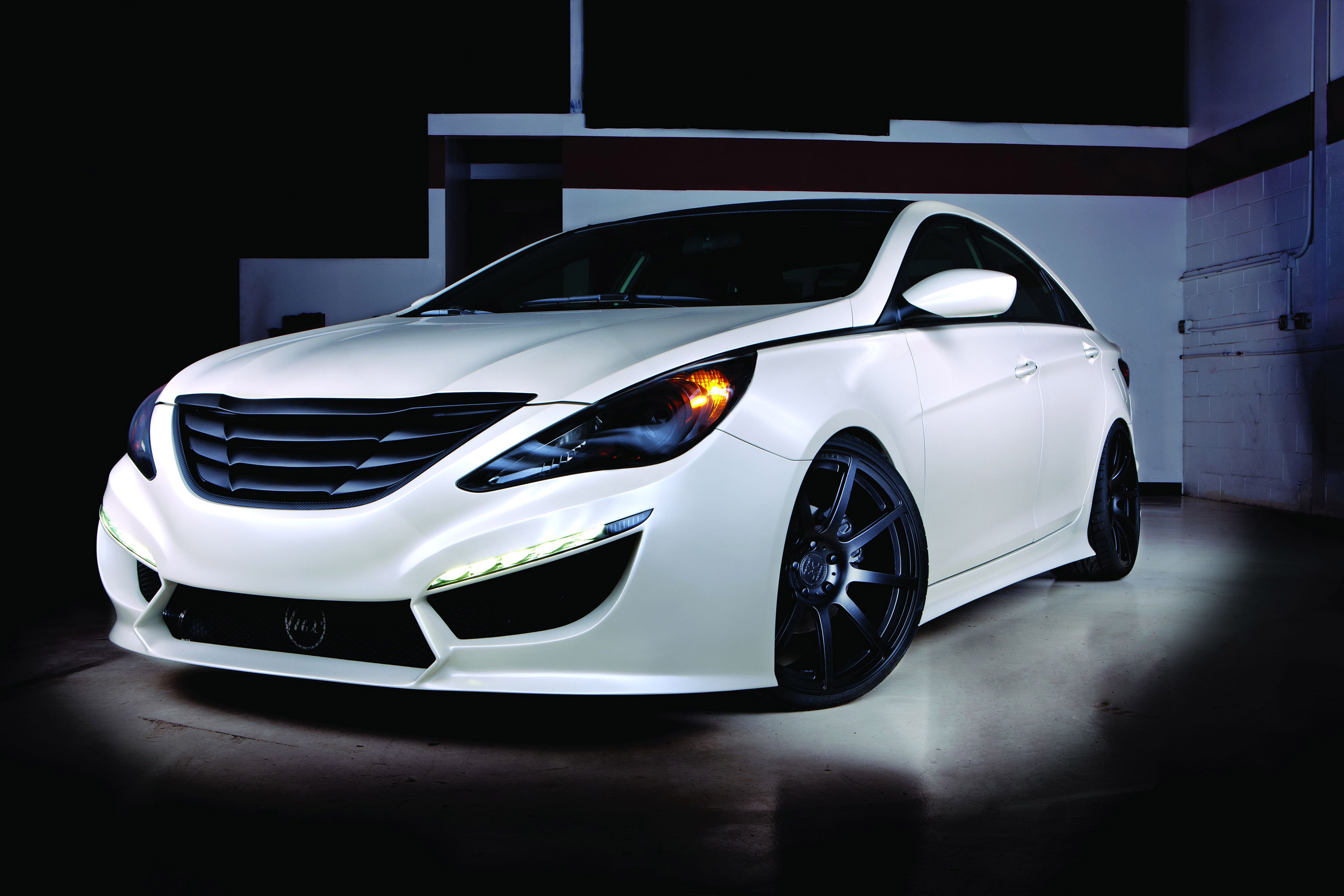 2010 hyundai sonata 2 0t refined by rides. Black Bedroom Furniture Sets. Home Design Ideas