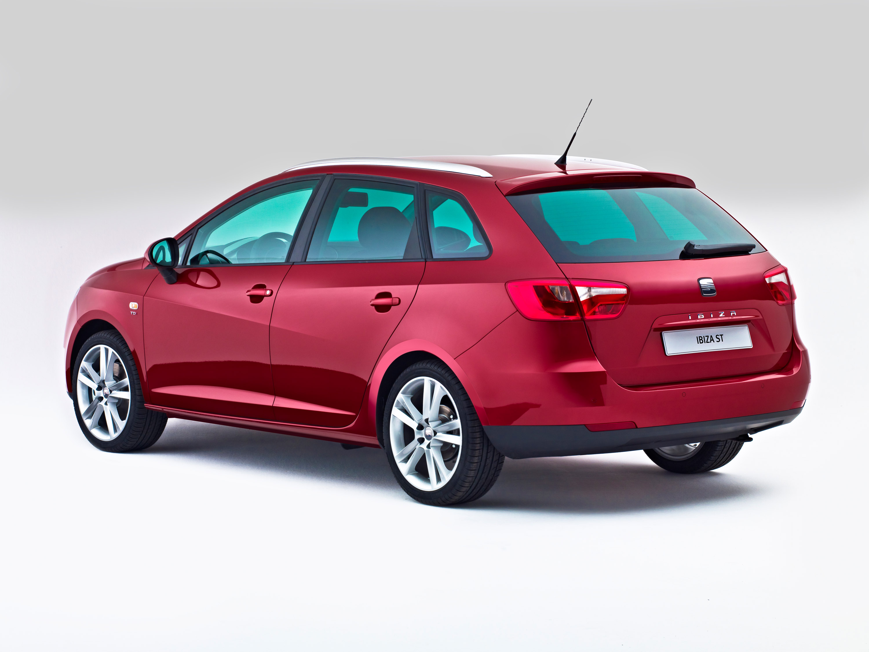 seat ibiza st with geneva premiere. Black Bedroom Furniture Sets. Home Design Ideas