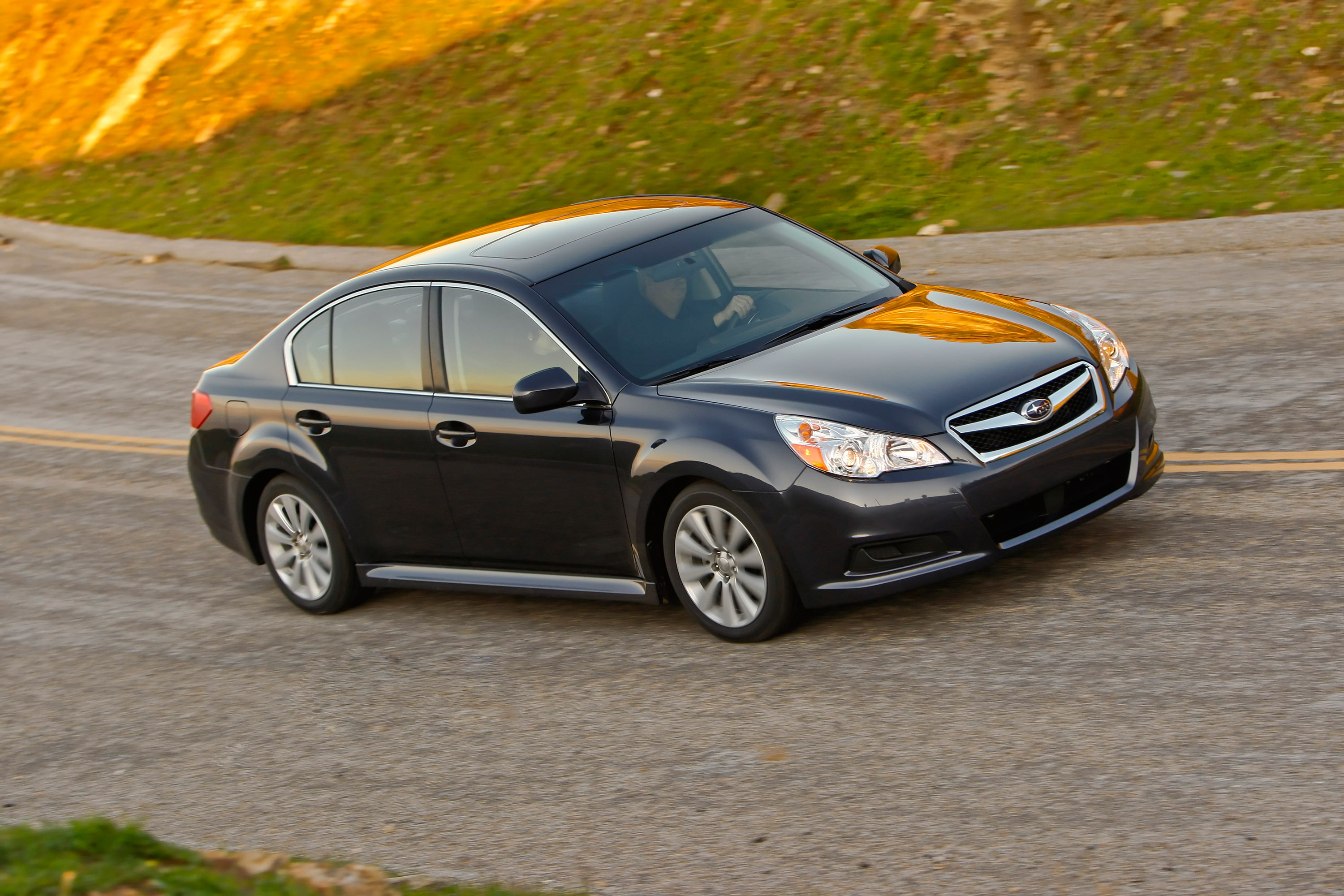 Subaru announces pricing on all new 2010 legacy subaru legacy sedan 25i vanachro Images