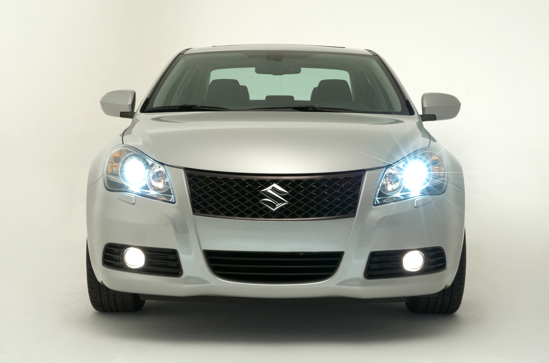 2010 suzuki kizashi sedan revealed