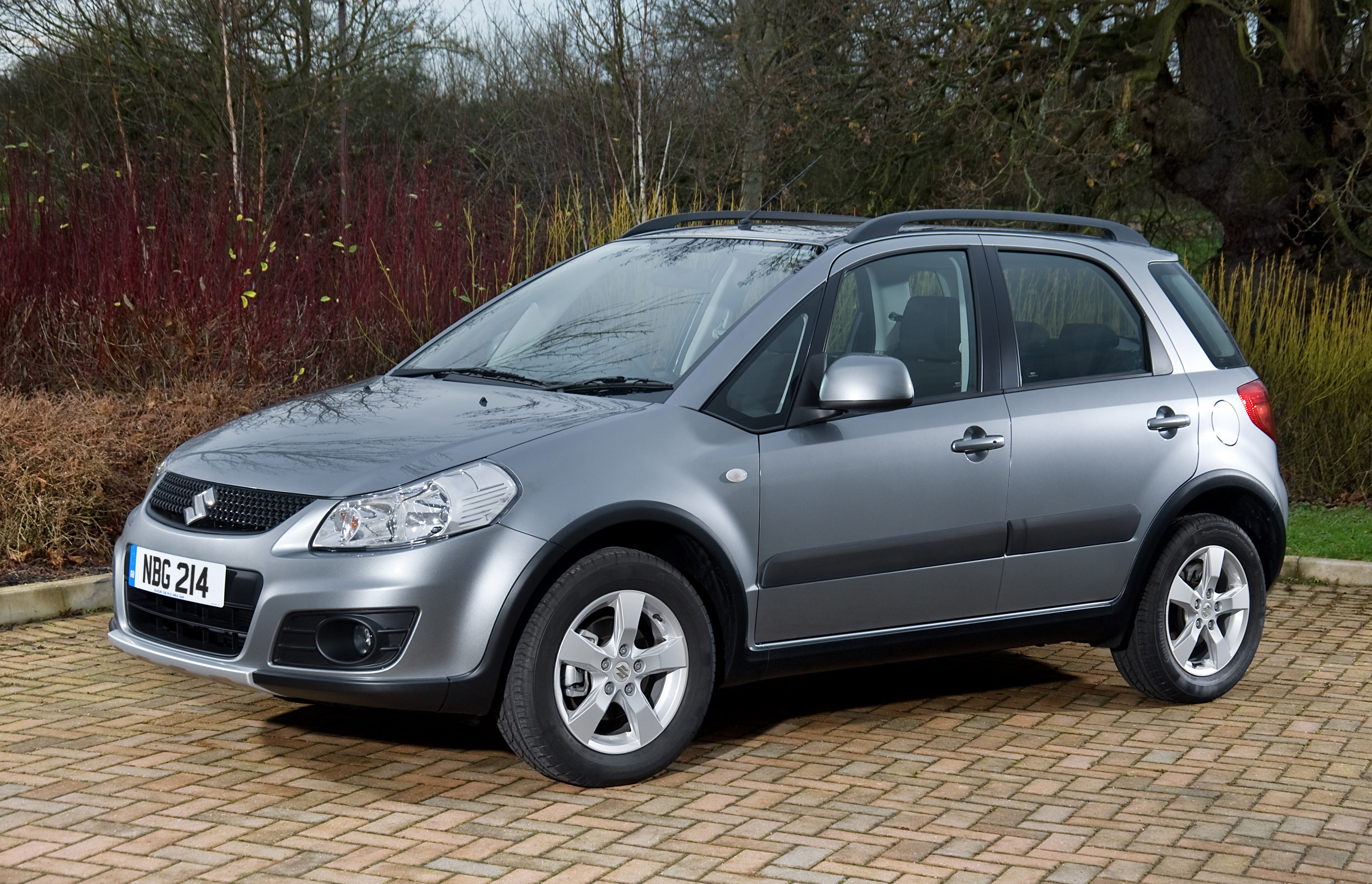 suzuki sx4 aerio hits the market. Black Bedroom Furniture Sets. Home Design Ideas