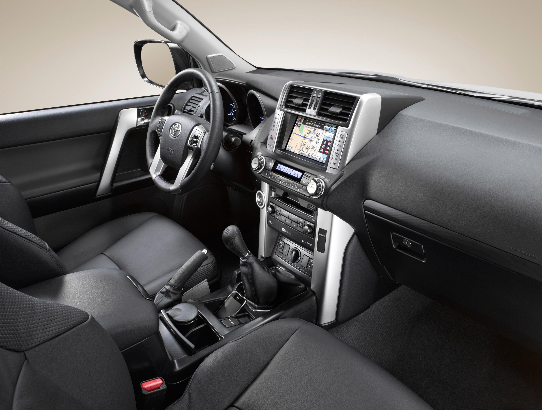 Самая доступная голая версия Toyota Land Cruiser Prado 150 - Тойота