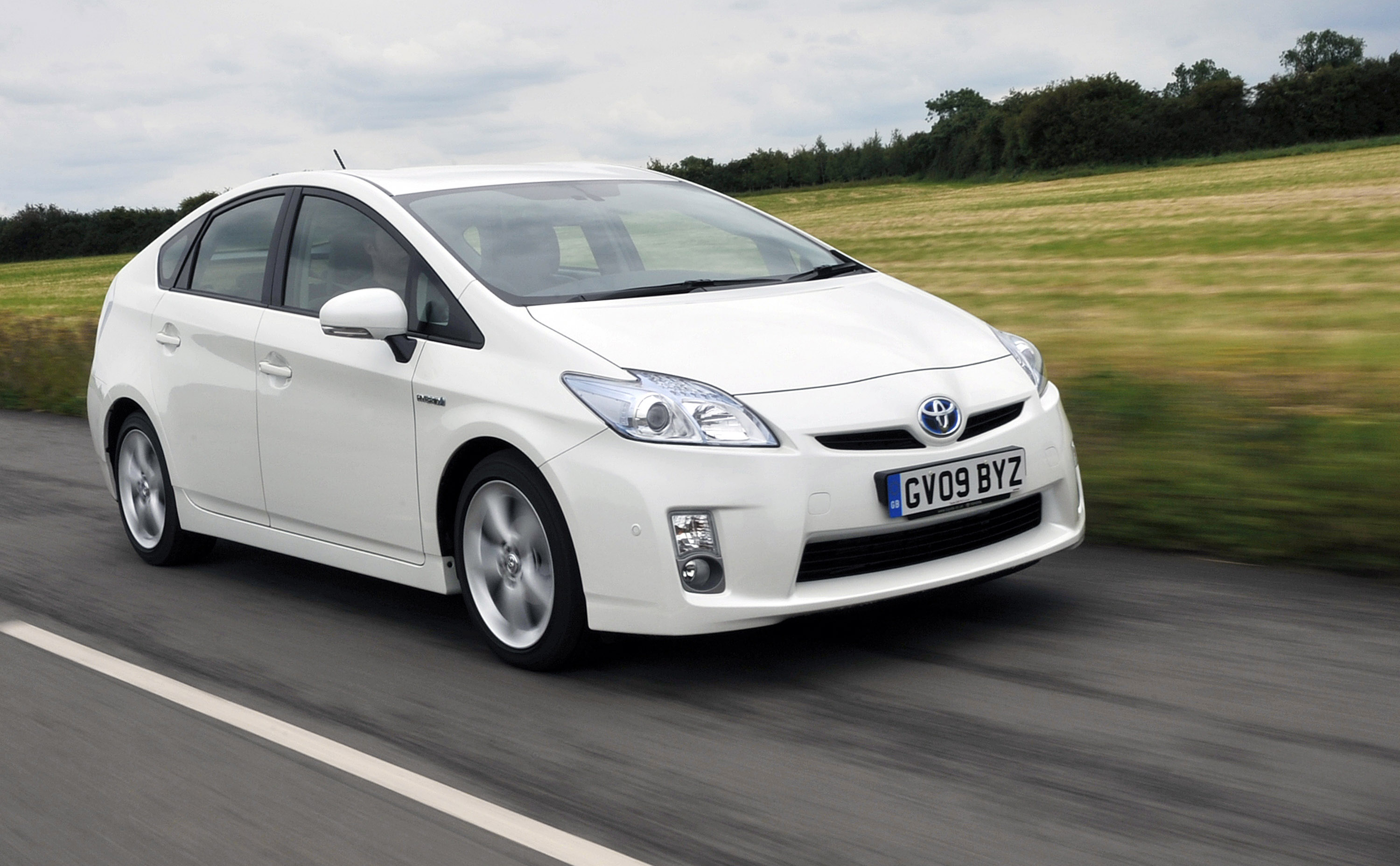 Cars Toyota: Toyota Prius Benefits From Safety Pack Option
