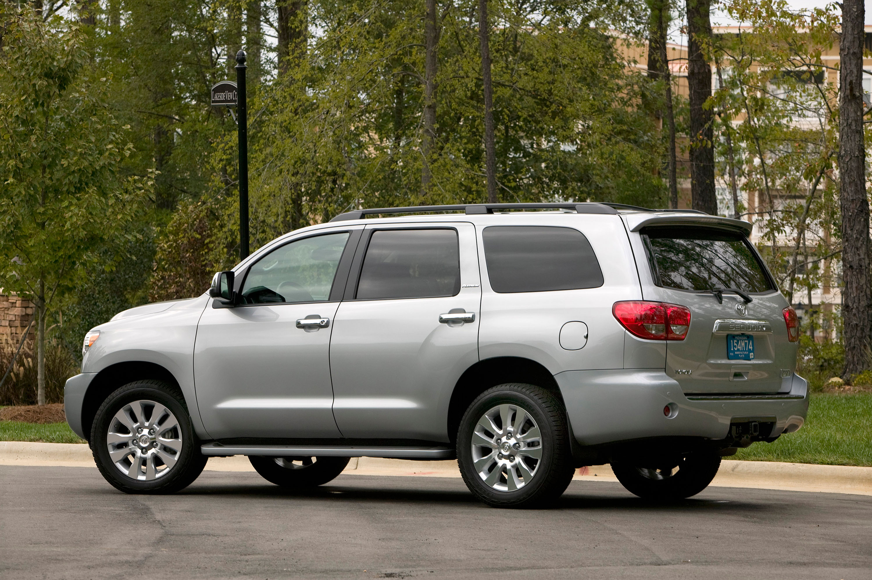 2010 Toyota Sequoia Platinum Picture 19703