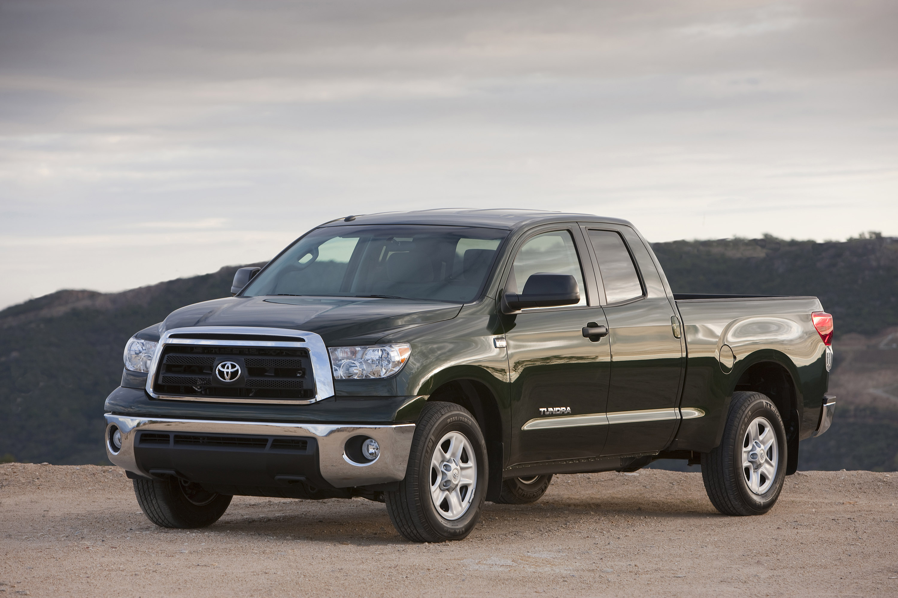 Toyota Tundra Limited >> Toyota to Reveal 2010 Tundra Pickup at 2009 Chicago Auto Show