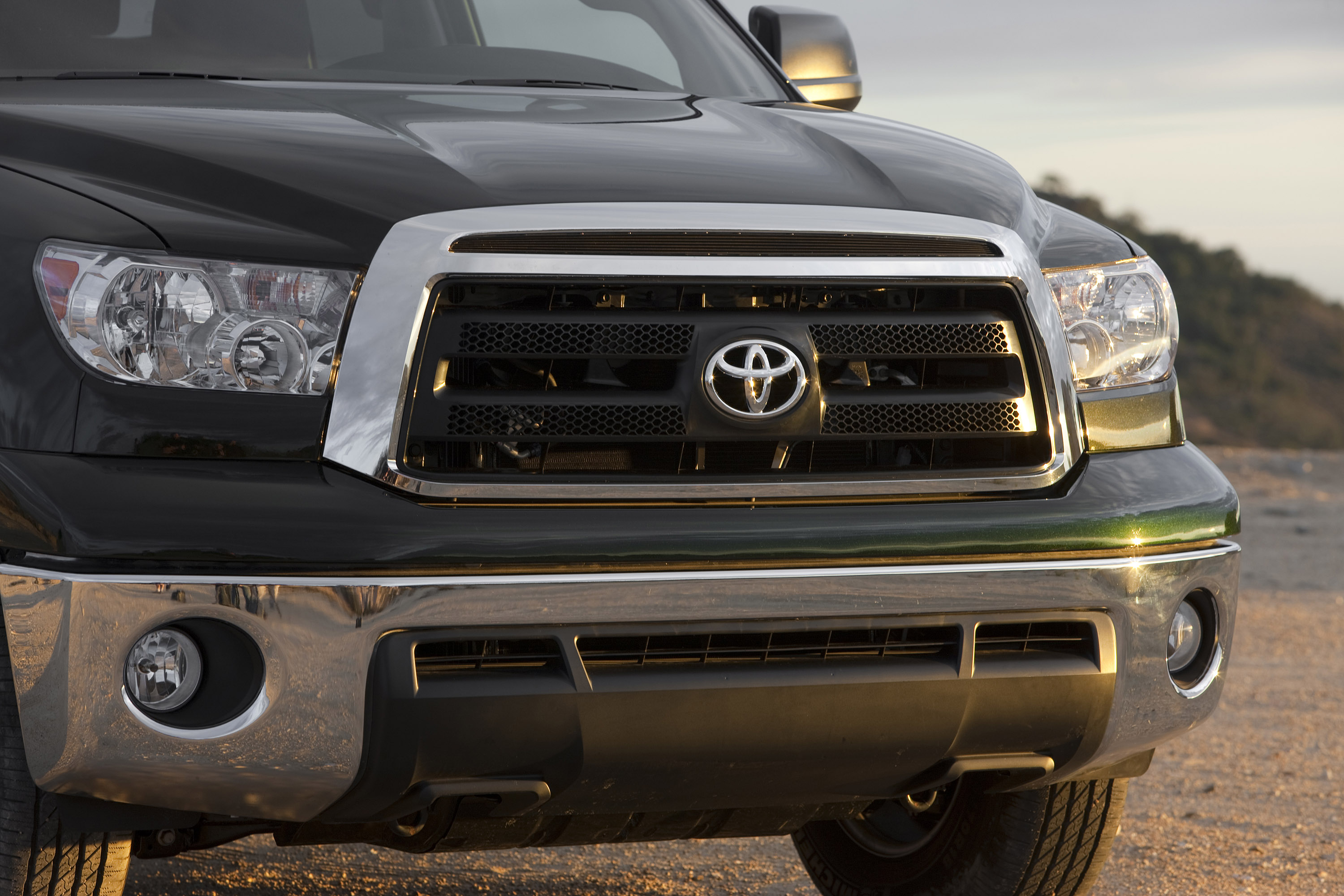 Toyota Announces Prices For 2010 Tundra Pickup And Sequoia