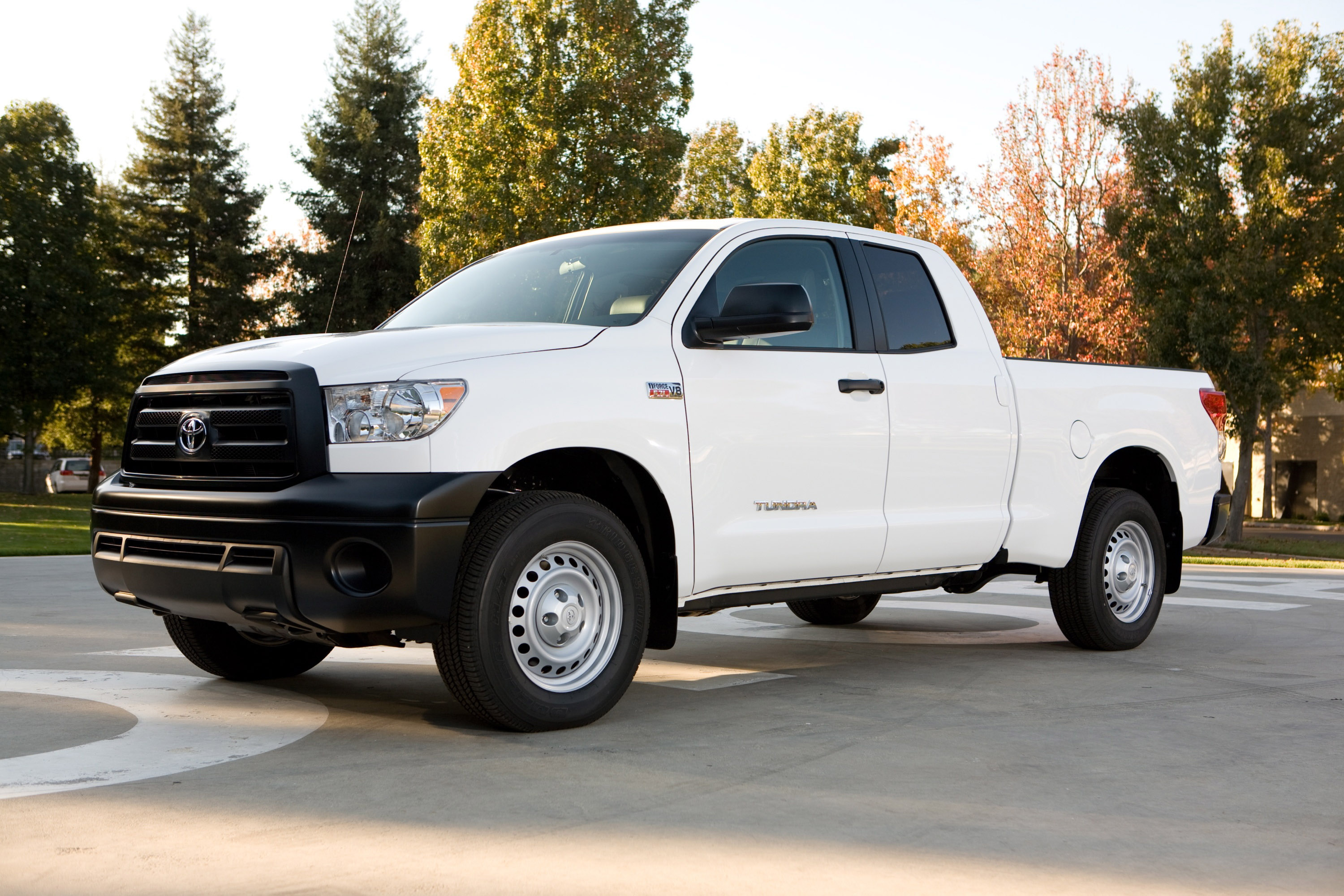 toyota to display 2010 tundra pickup with new work truck package at 2009 san diego auto show. Black Bedroom Furniture Sets. Home Design Ideas