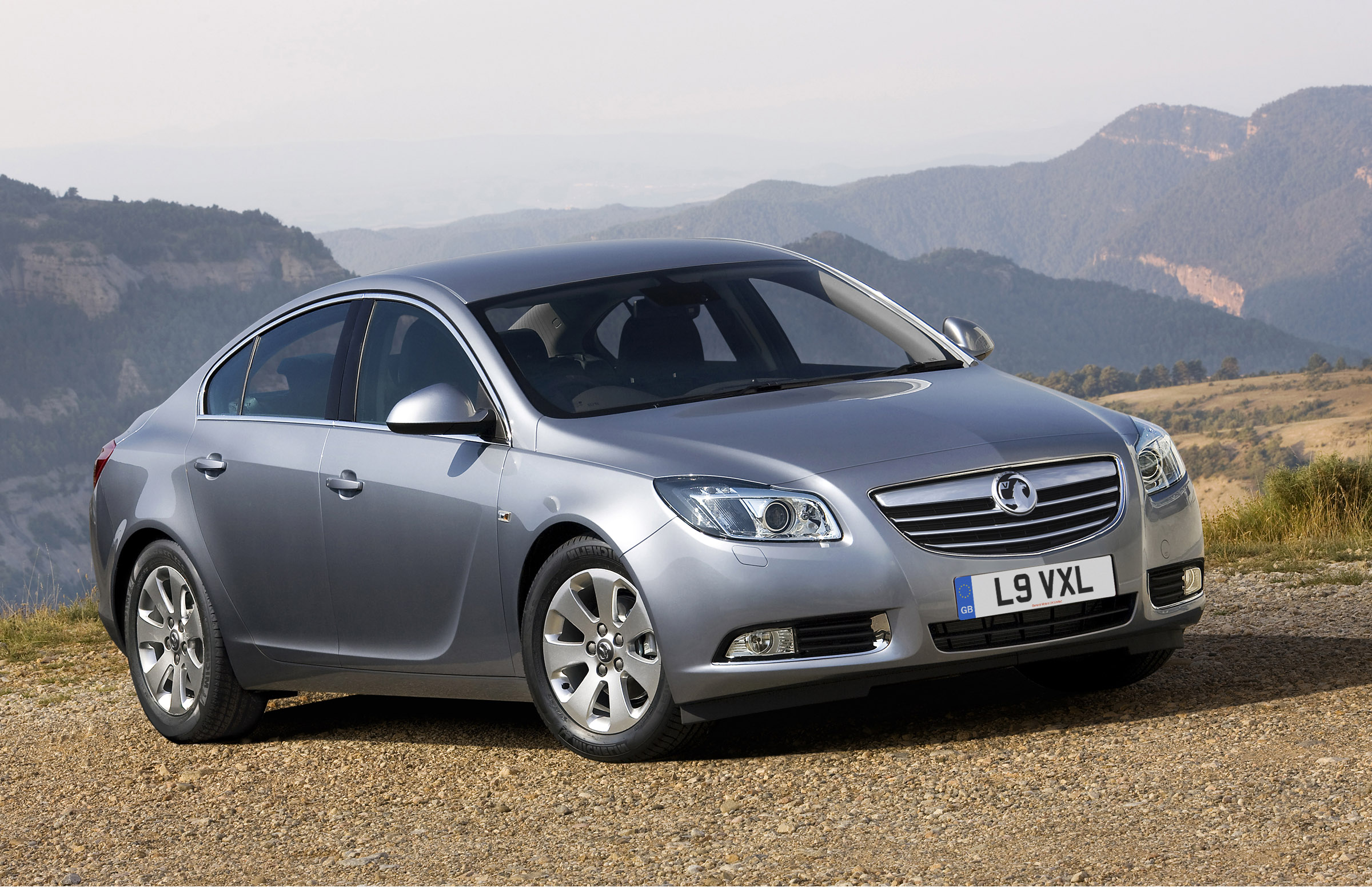 revised and improved 2010 vauxhall insignia is now available to order. Black Bedroom Furniture Sets. Home Design Ideas