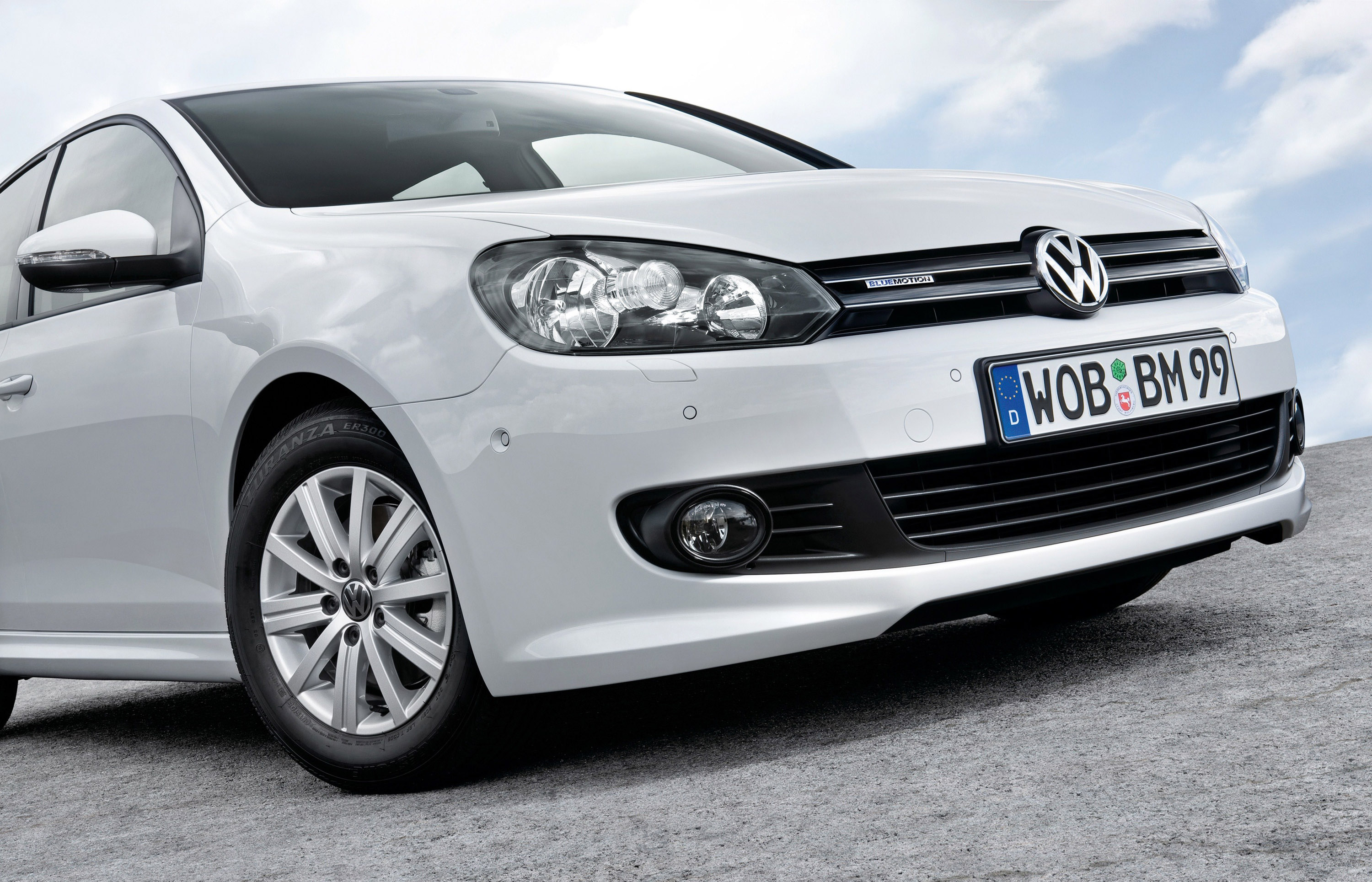 volkswagen golf vi bluemotion awarded green car of the year. Black Bedroom Furniture Sets. Home Design Ideas