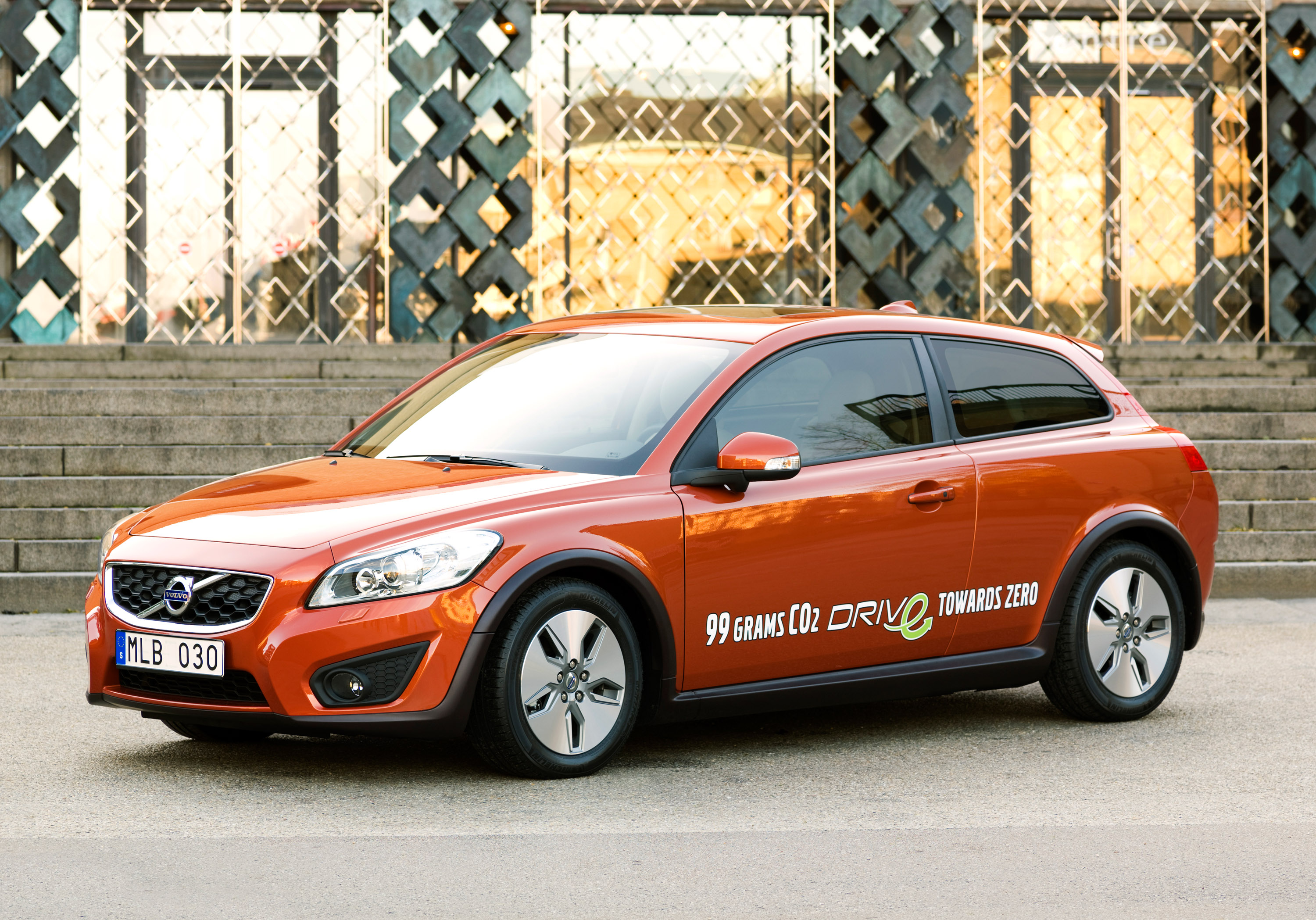 2010 Volvo C30 1 6d Drive With Only 99 G Km Harmful Emissions