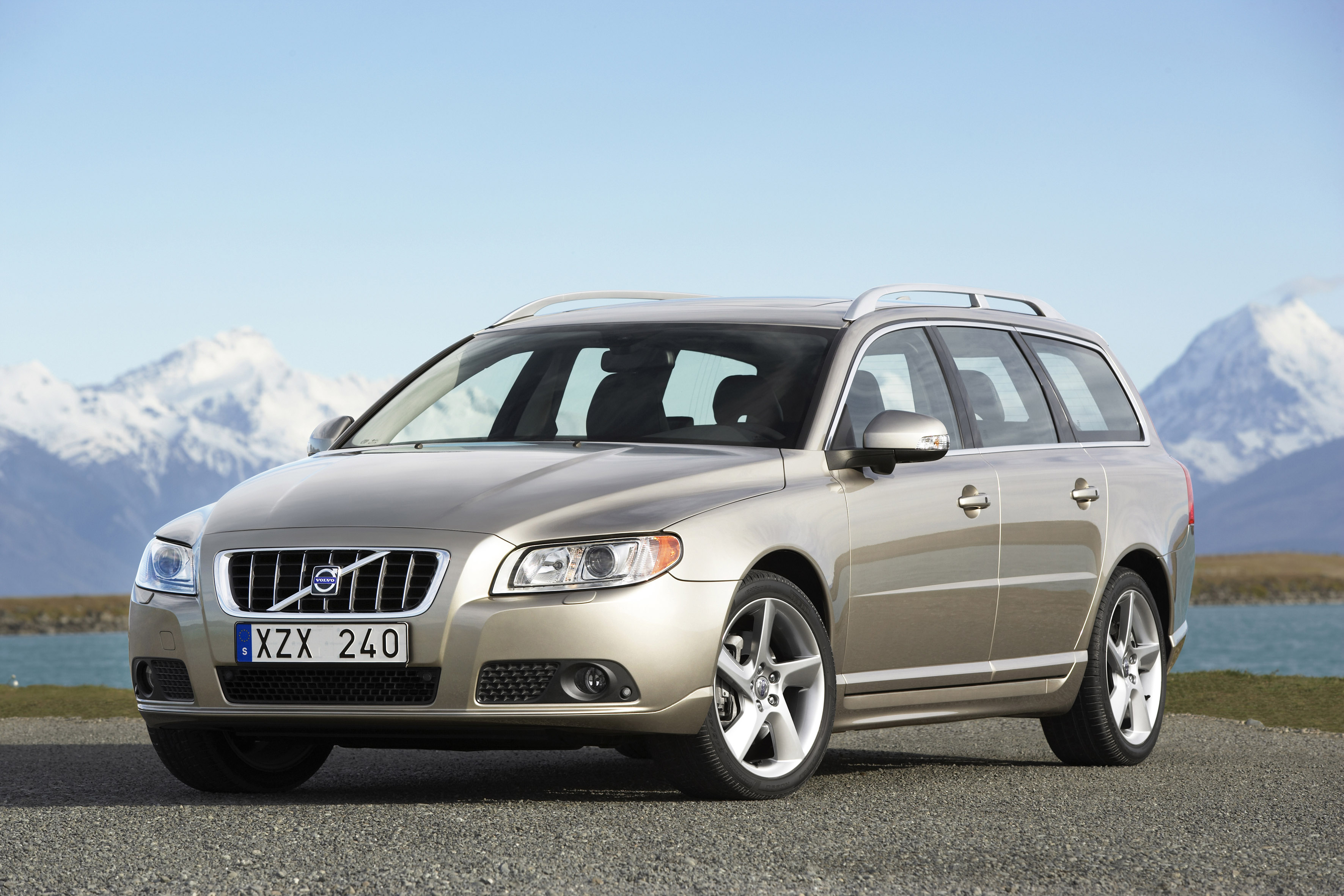 Volvo Droping V70 and S60 V8 Models in North America - AutoGuide.com News.